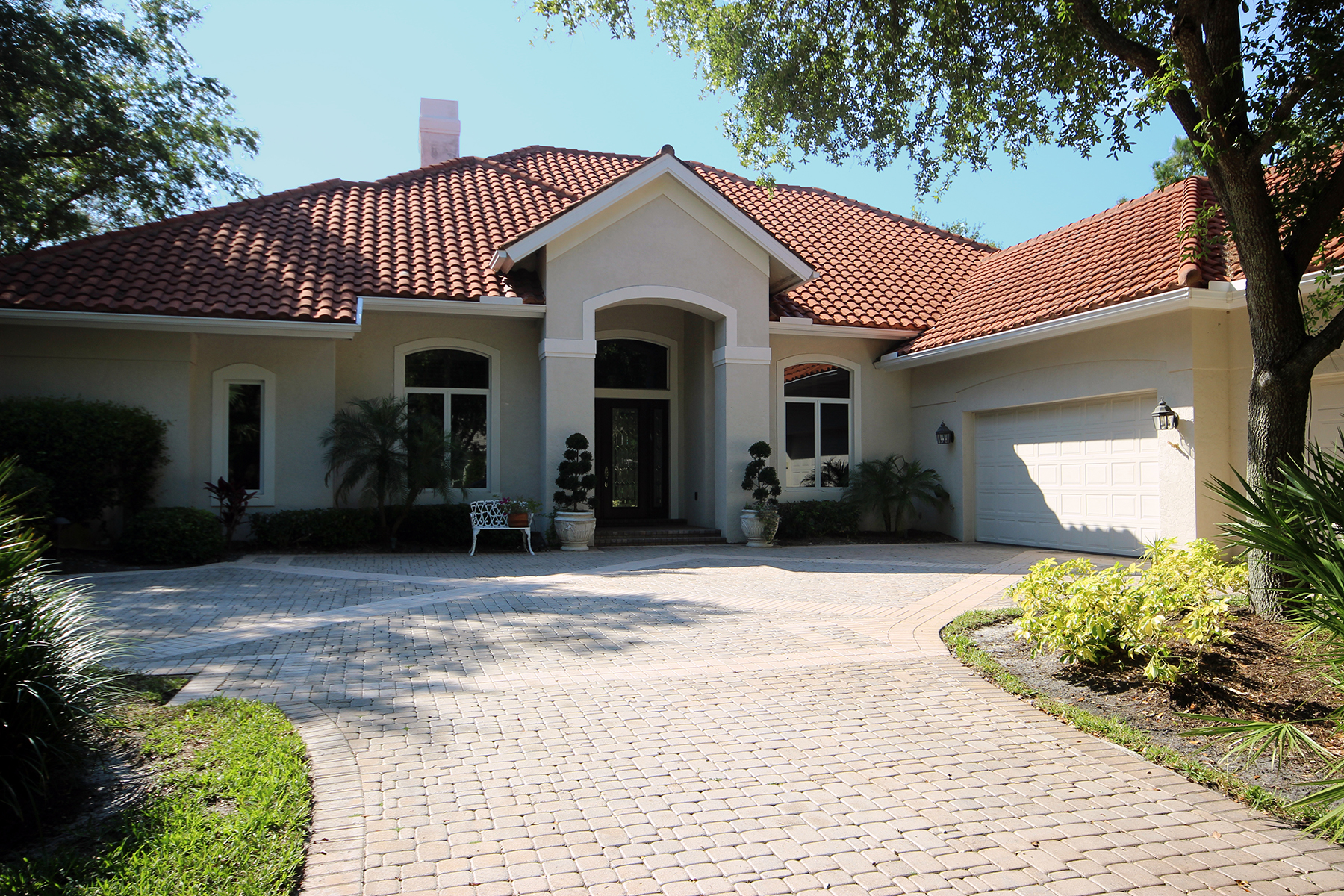 Single Family Home for Sale at COLLIERS RESERVE 12502 Colliers Reserve Naples, Florida 34110 United States