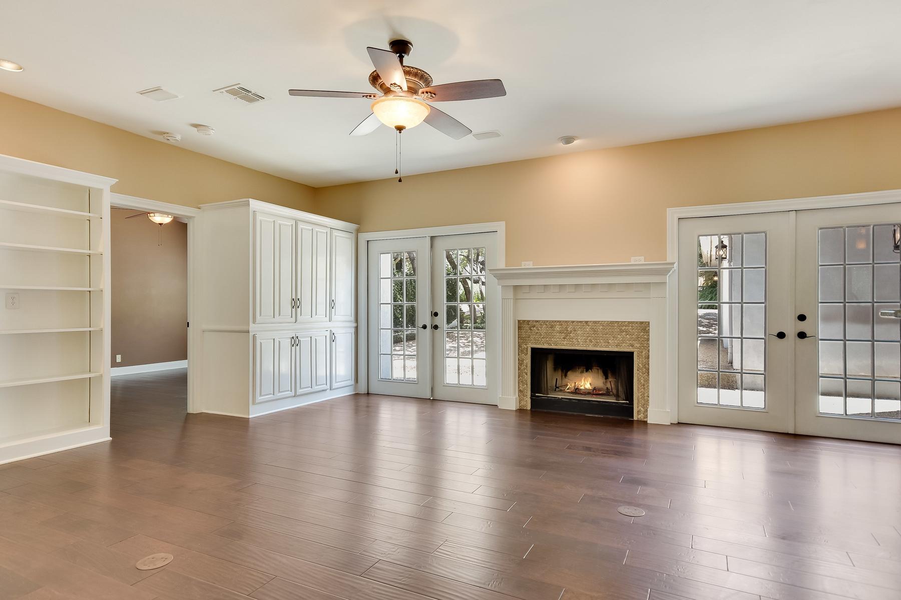 Additional photo for property listing at Stunning Gem in Dominion Cottage Estates 36 Stratton Ln San Antonio, Texas 78257 Estados Unidos