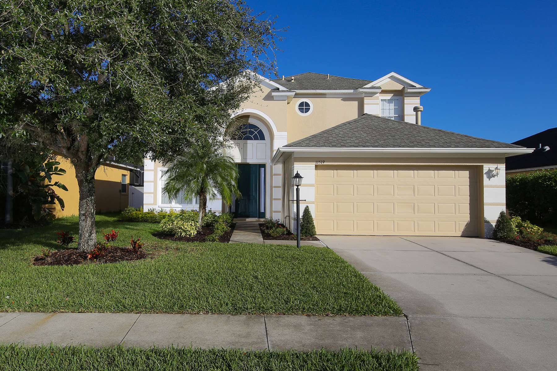 Villa per Vendita alle ore RIVERWALK VILLAGE 11519 Pimpernel Dr Lakewood Ranch, Florida 34202 Stati Uniti