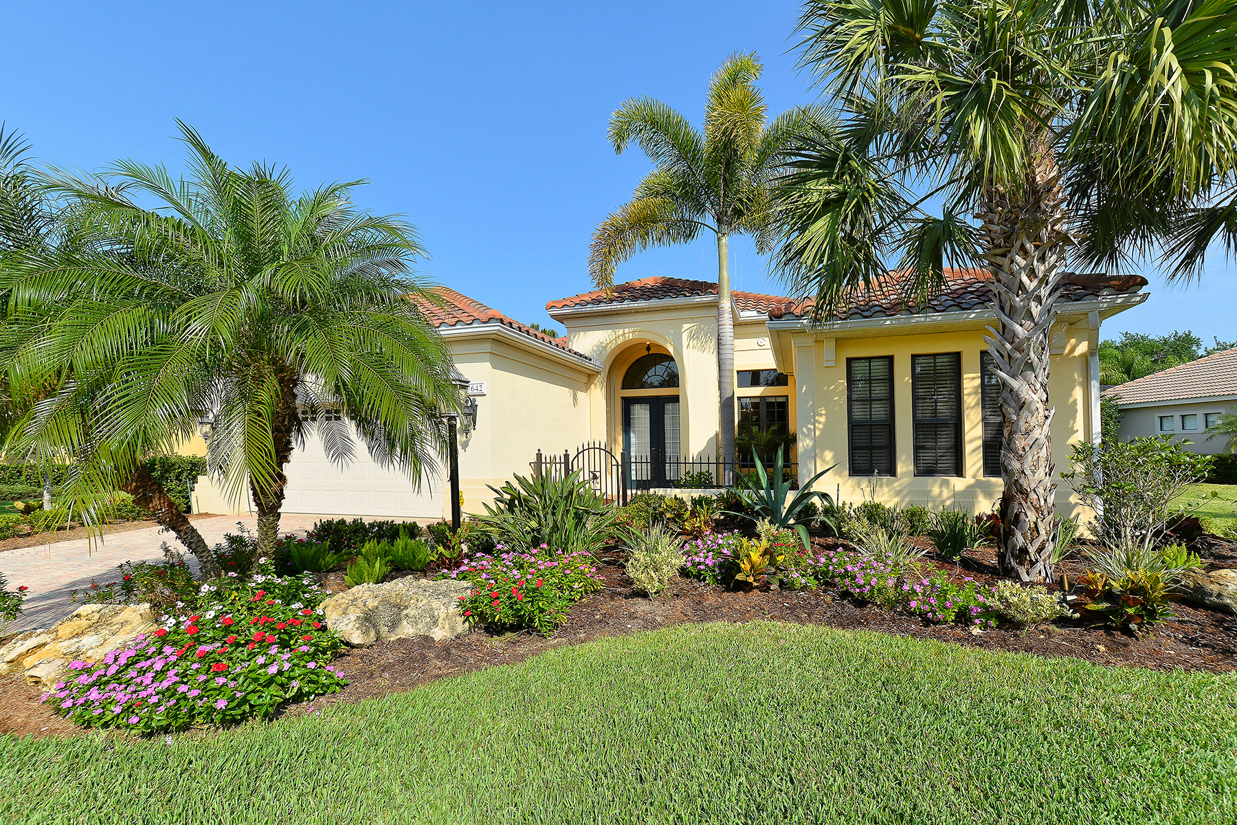 Single Family Home for Sale at LAKEWOOD RANCH 7642 Silverwood Ct Lakewood Ranch, Florida, 34202 United States