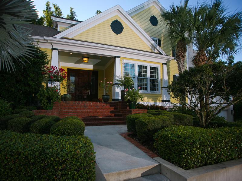 Maison unifamiliale pour l Vente à LINCOLN PARK ON HUDSON BAYOU 1749 Lincoln Park Cir Sarasota, Florida 34236 États-Unis