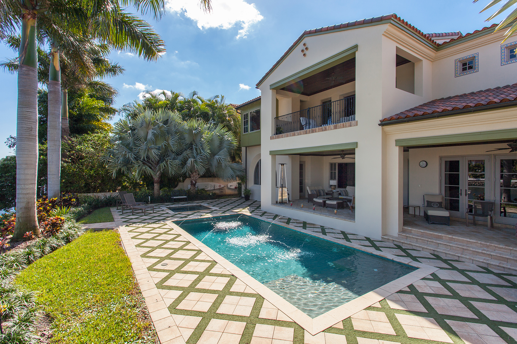 Single Family Home for Sale at SNELL ISLE 851 Brightwaters Blvd NE Snell Isle, St. Petersburg, Florida, 33704 United States