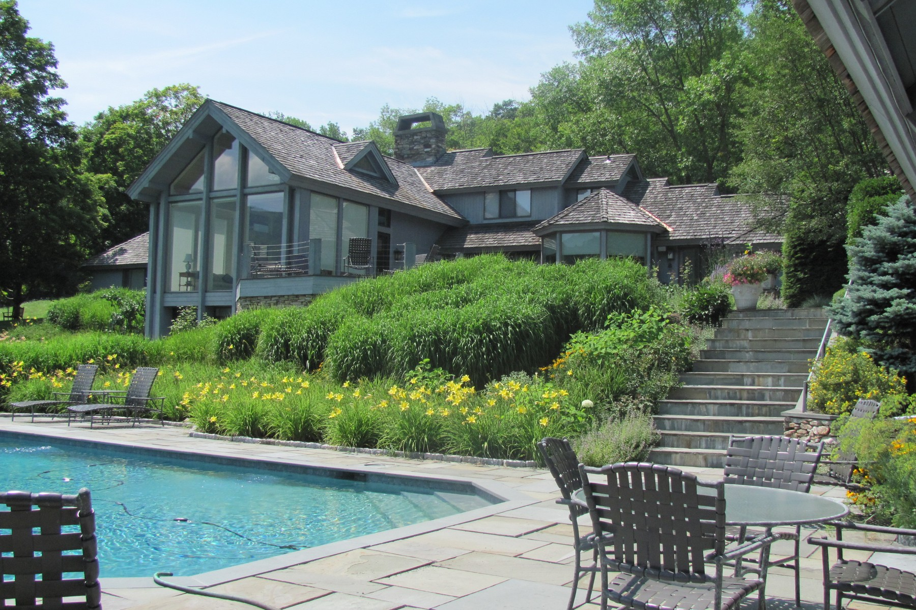 Nhà ở một gia đình vì Bán tại 1674&167 Upper Hollow Road, Dorset 1674&167 Upper Hollow Rd Dorset, Vermont 05251 Hoa Kỳ