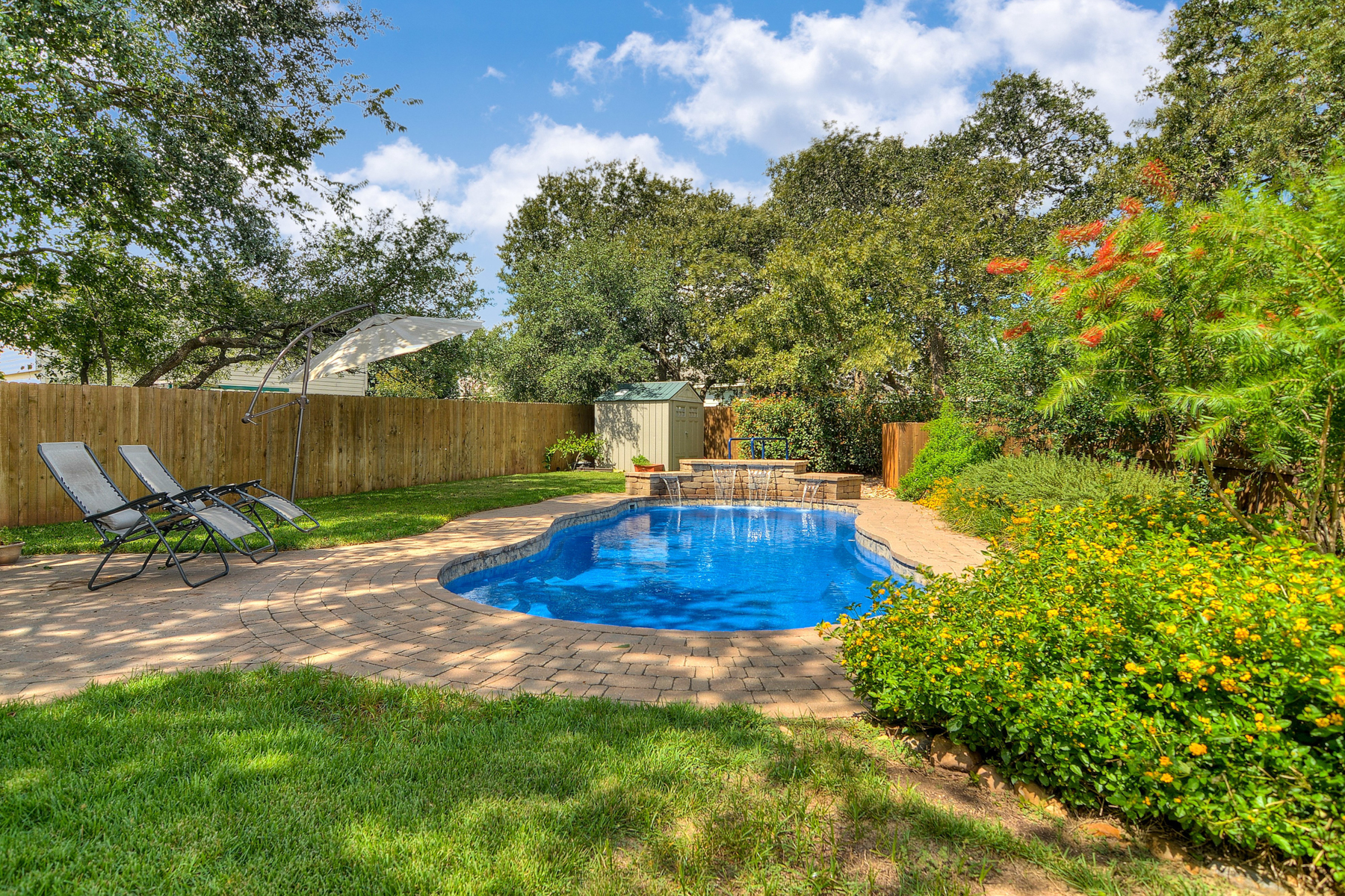Additional photo for property listing at Great Find in Boerne Heights 134 Jordan Pl Boerne, Texas 78006 United States