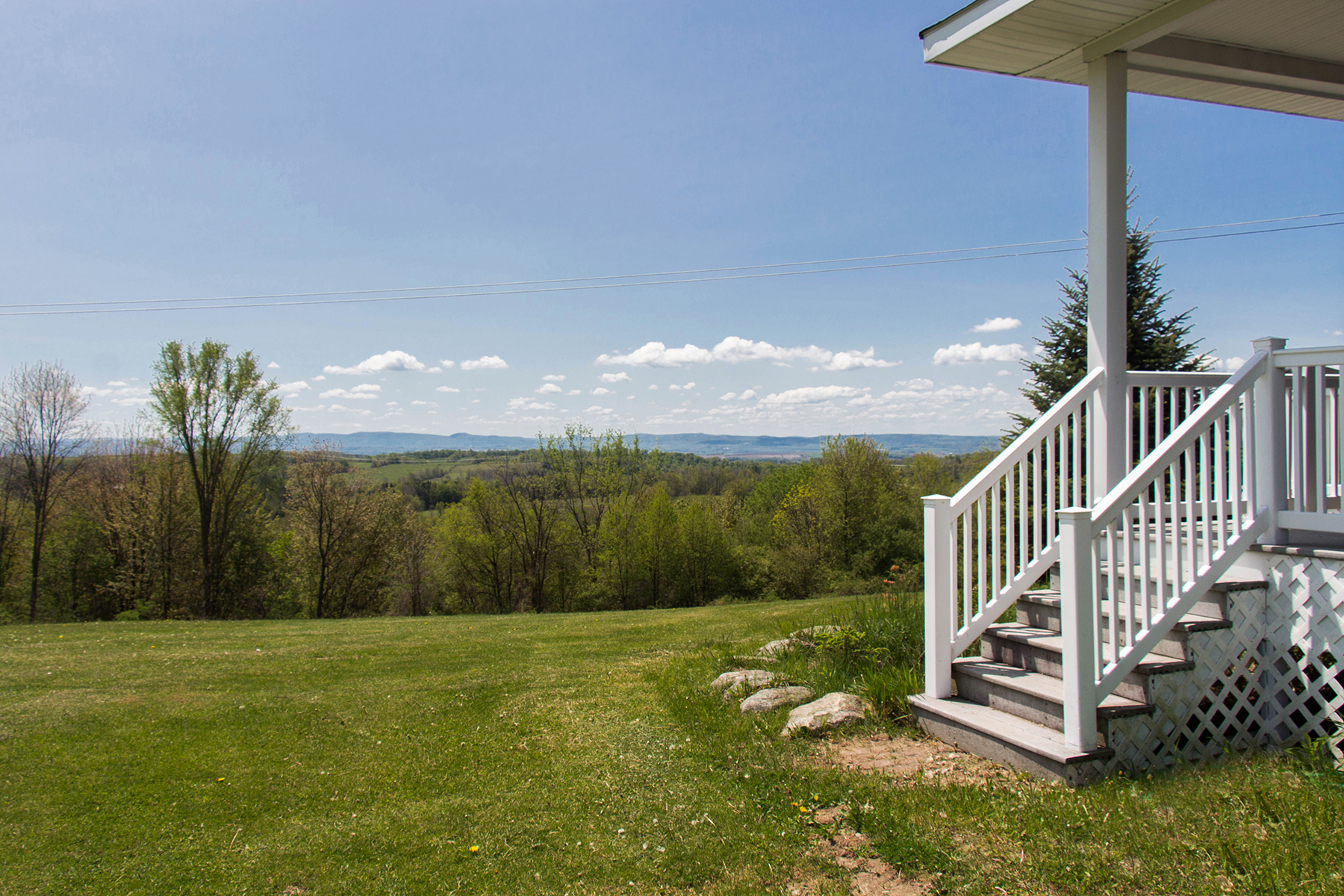 Additional photo for property listing at Private Country Retreat 462  Bell Rd St. Johnsville, New York 13453 États-Unis