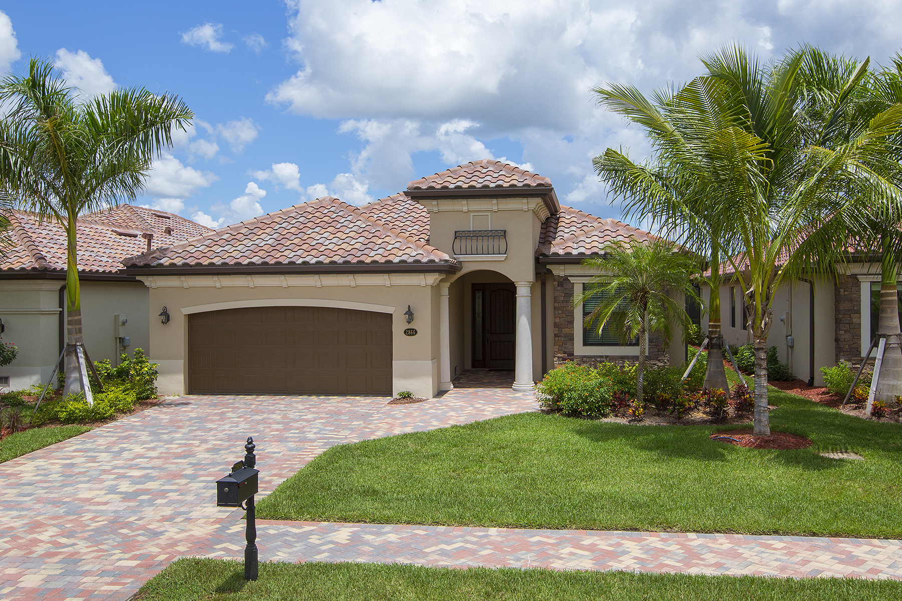 Single Family Home for Sale at FIDDLER'S CREEK - MILLBROOK 2866 Aviamar Cir Naples, Florida, 34114 United States