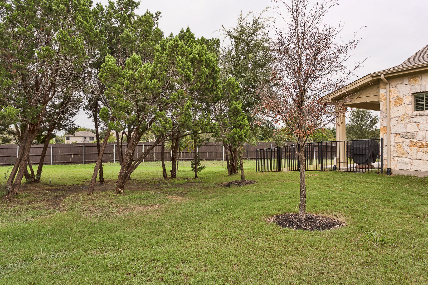 Additional photo for property listing at Immaculate Home in Brodie Heights 3101 Davis Ln 8103 Austin, Texas 78748 United States