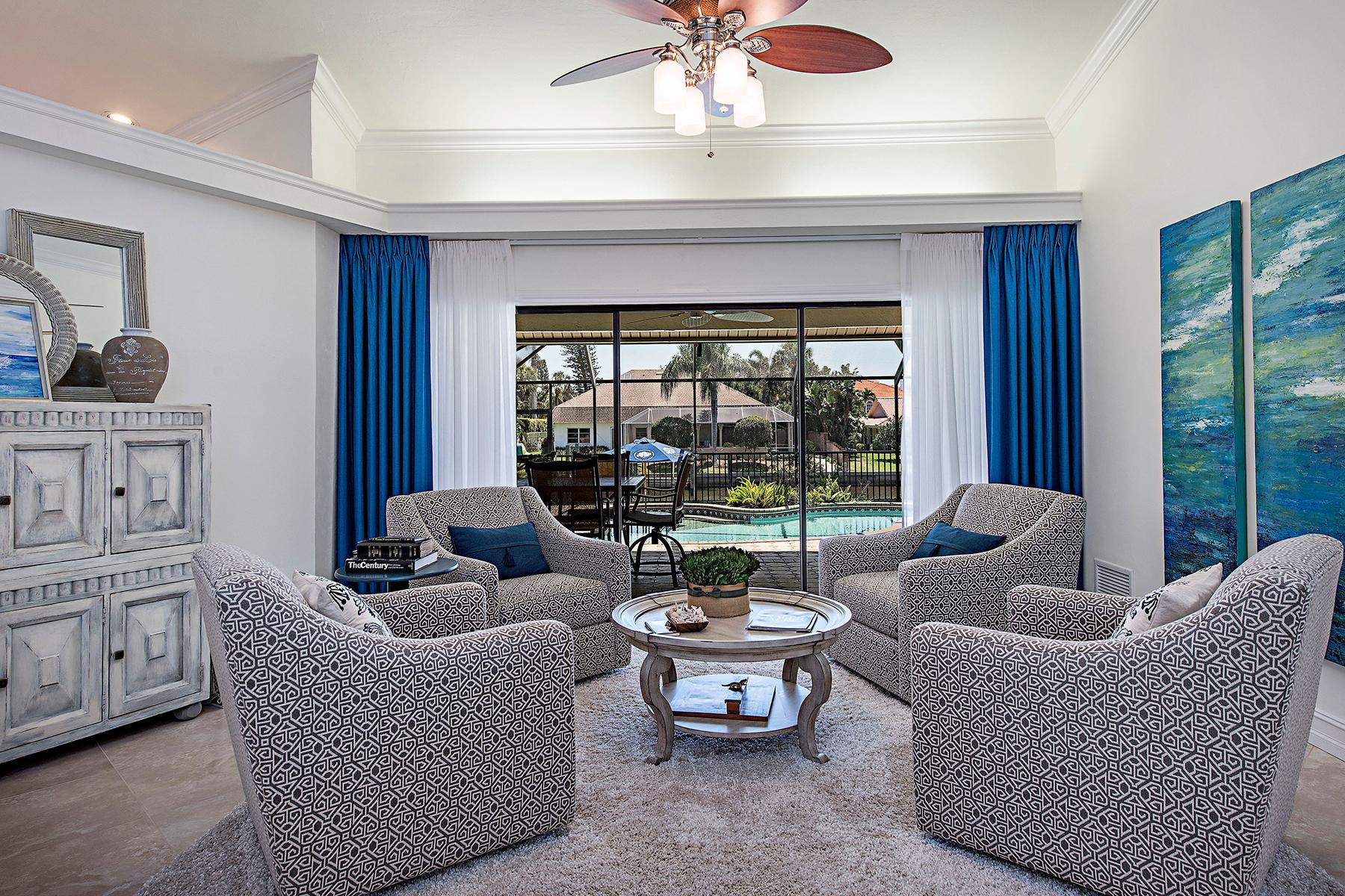 Частный односемейный дом для того Продажа на VANDERBILT BEACH - CONNERS 470 Lagoon Ave Naples, Флорида, 34108 Соединенные Штаты