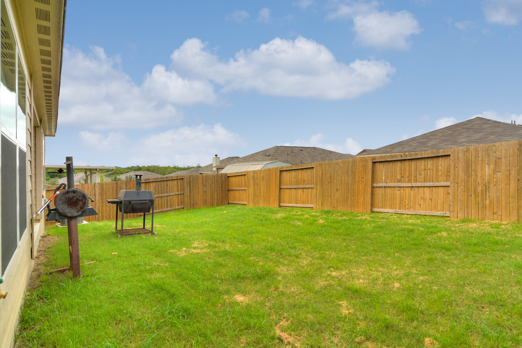 Additional photo for property listing at Beautiful One-Story in Foster Meadows 6114 Pleasant Meadow San Antonio, Texas 78222 Estados Unidos