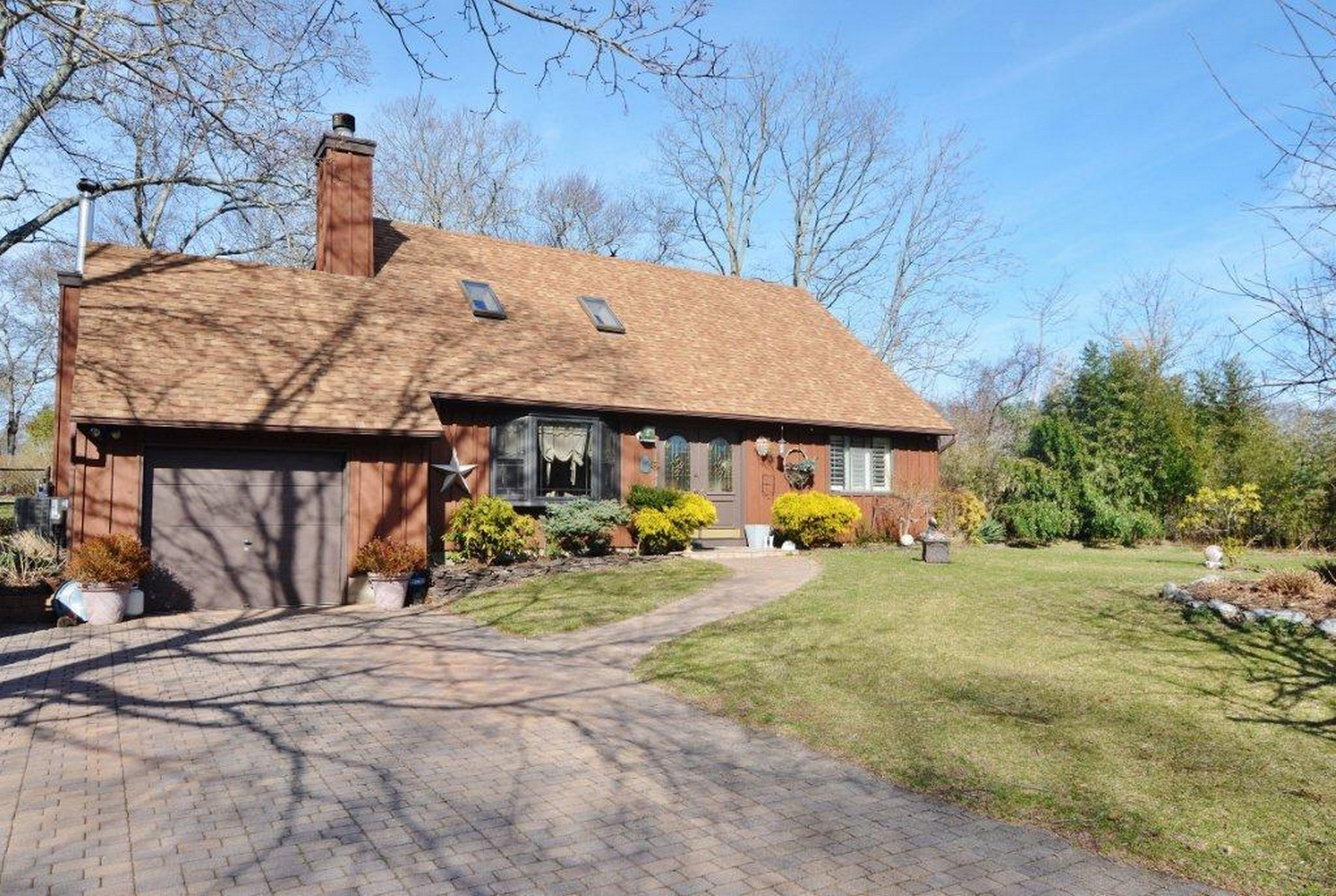 Single Family Home for Sale at Cape 156 Fox Run Ln Aquebogue, New York, 11931 United States
