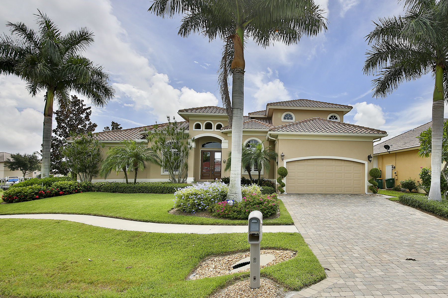Single Family Home for Sale at MARCO ISLAND - SOUTH SEAS COURT 149 S Seas Ct Marco Island, Florida 34145 United States