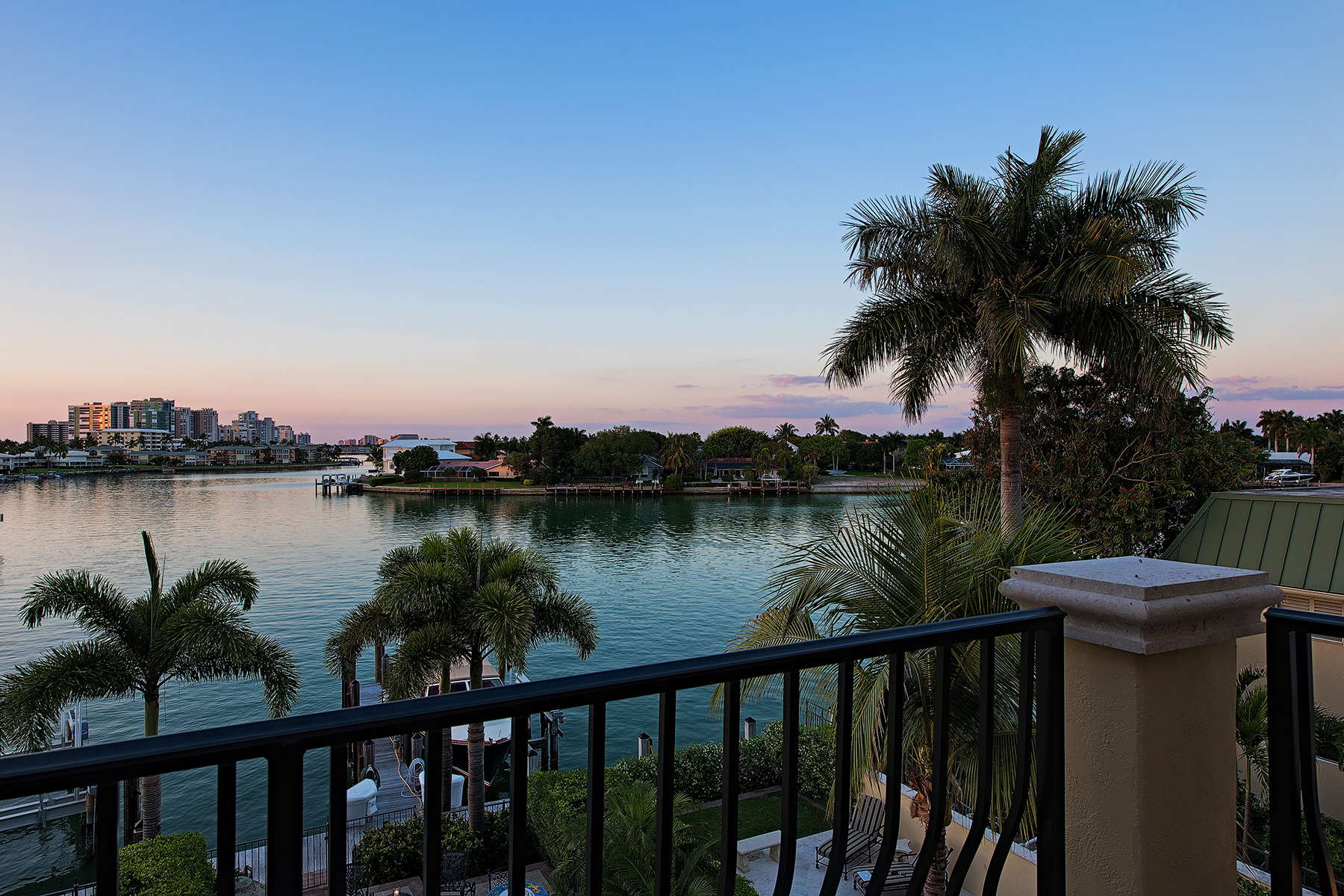 Townhouse for Sale at THE MOORINGS - VISTA ROYAL 261 Harbour Dr Naples, Florida 34103 United States