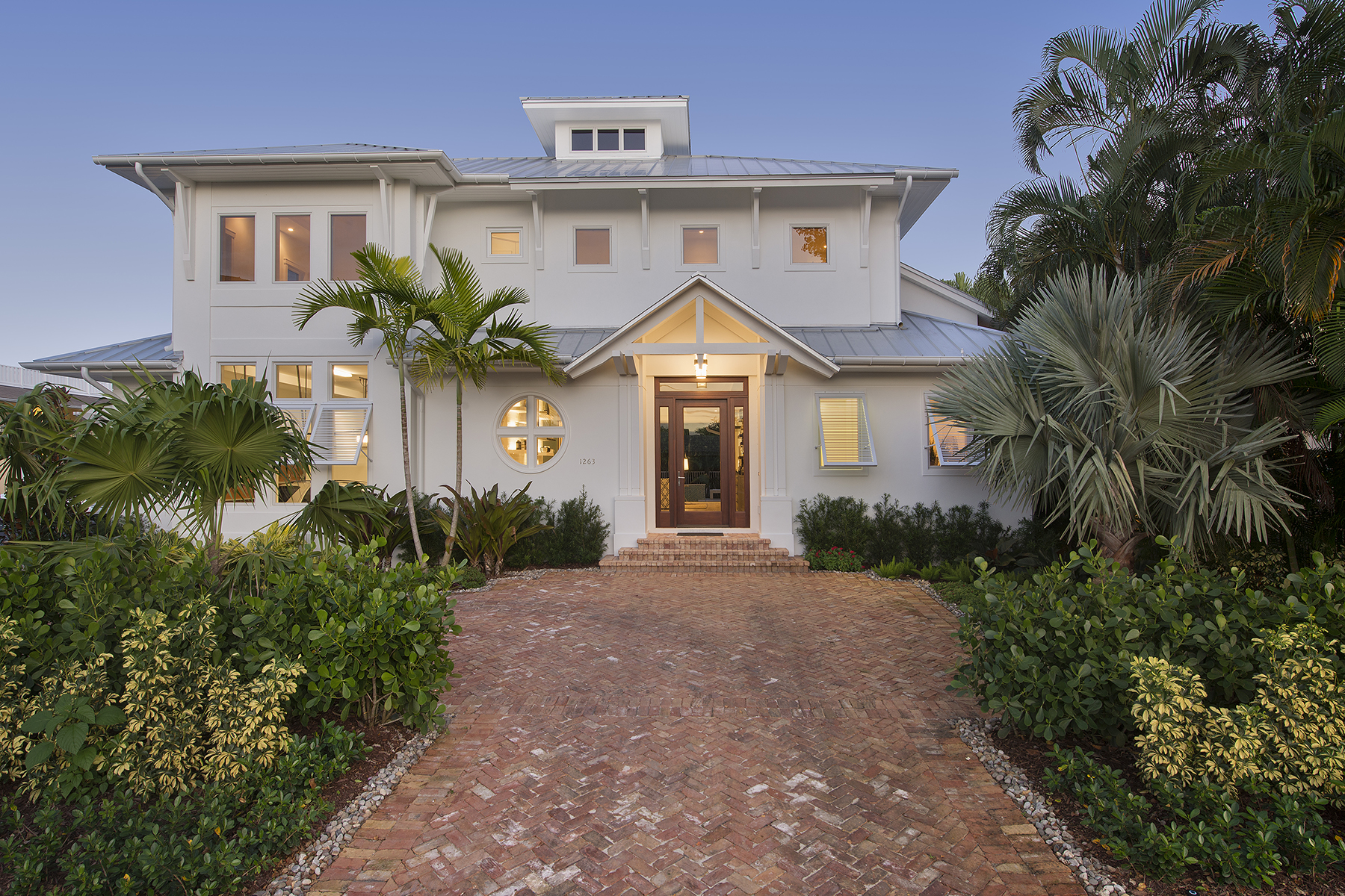 Single Family Home for Sale at OLDE NAPLES 1263 4th St S Naples, Florida, 34102 United States
