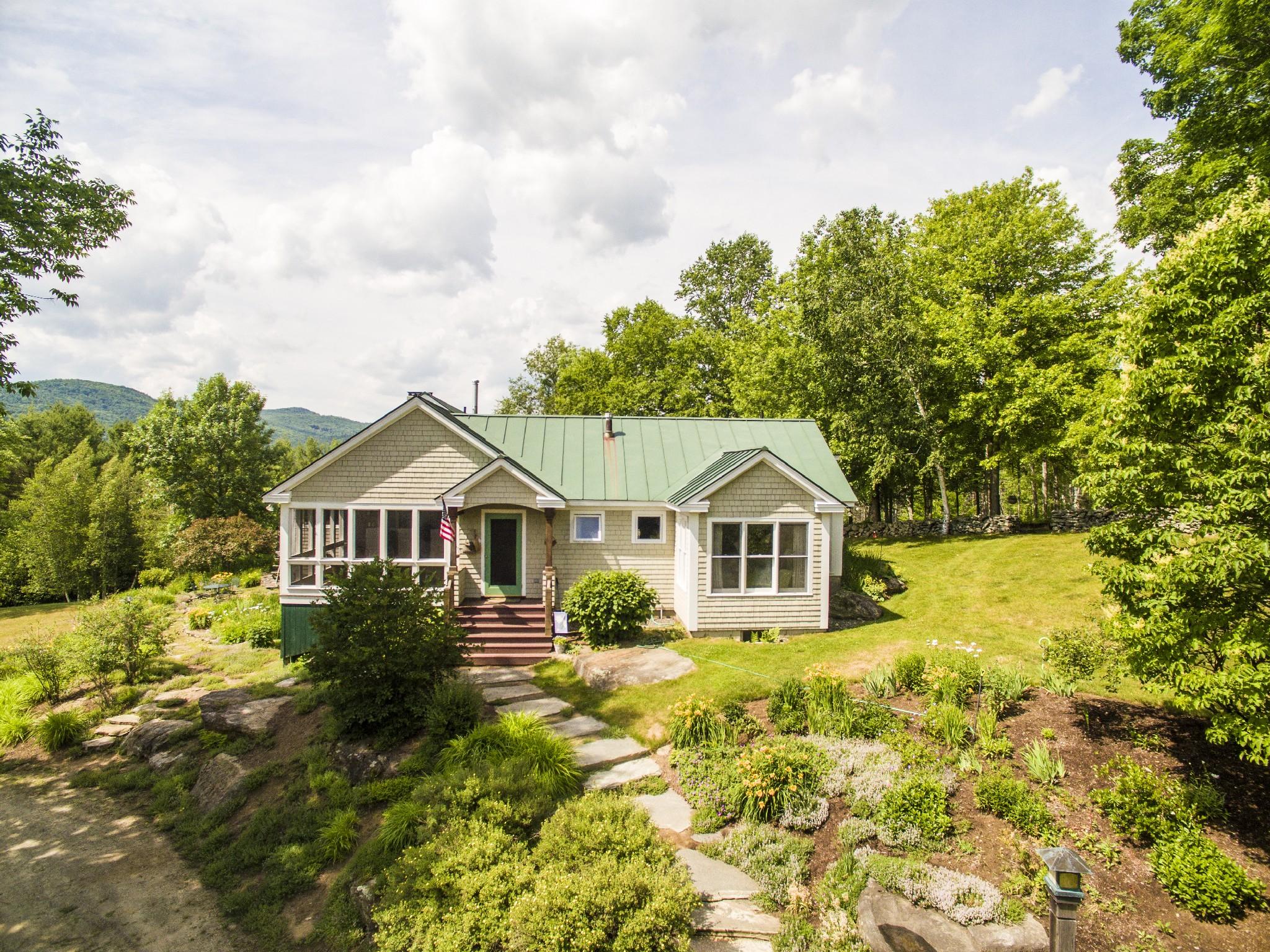 Nhà ở một gia đình vì Bán tại 149 Sugar Lot Lane, Jamaica 149 Sugar Lot Ln Jamaica, Vermont, 05343 Hoa Kỳ