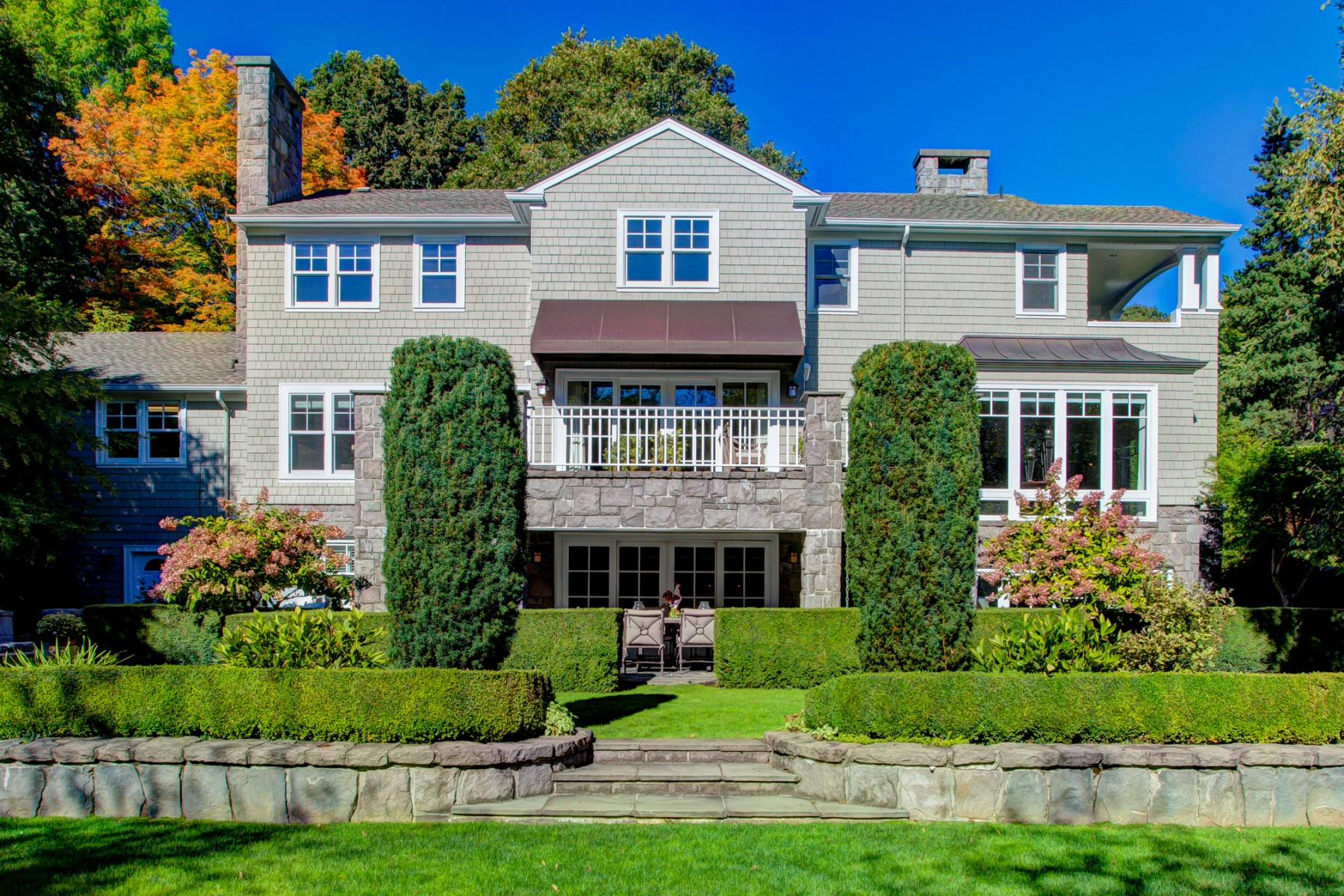 Nhà ở một gia đình vì Bán tại 1603 SW GREENWOOD RD, PORTLAND Portland, Oregon, 97219 Hoa Kỳ