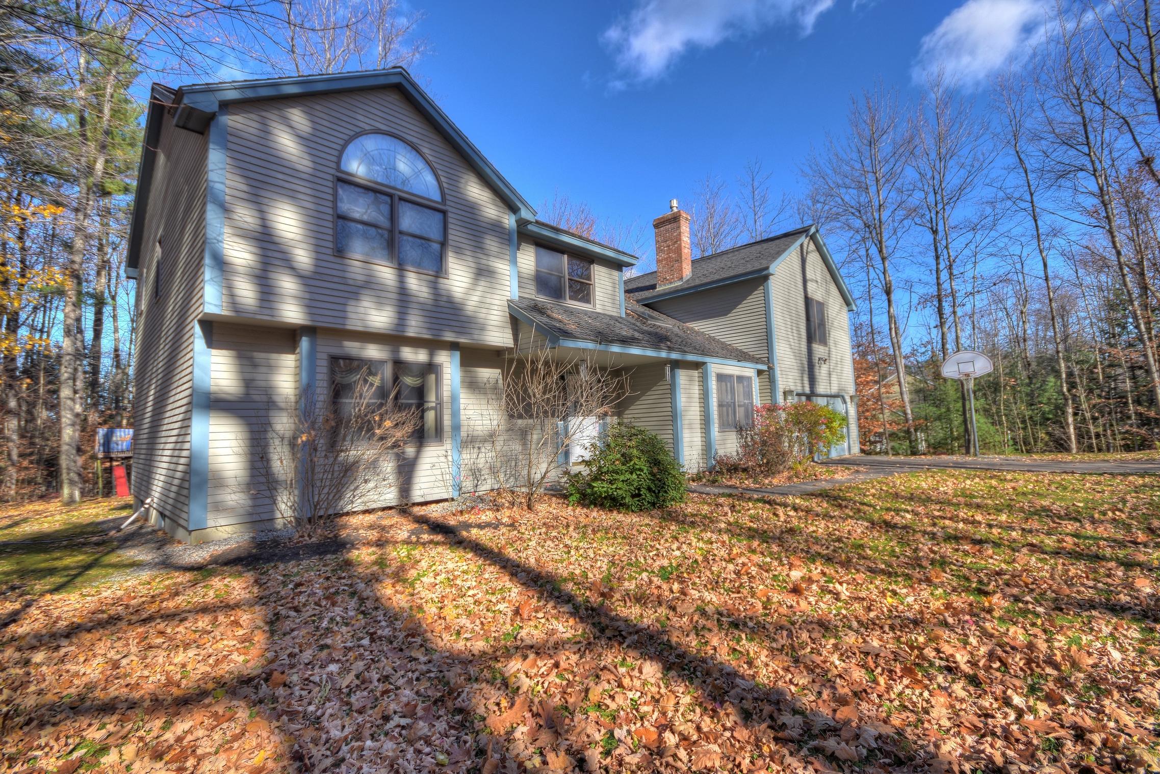 Maison unifamiliale pour l Vente à 33 Robertson, Gilford 33 Robertson Dr Gilford, New Hampshire, 03249 États-Unis