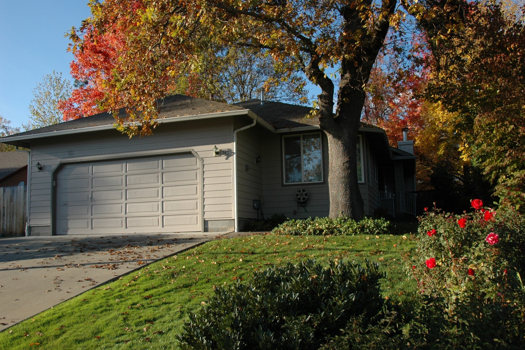sales property at 948 NW Donna, GRANTS PASS