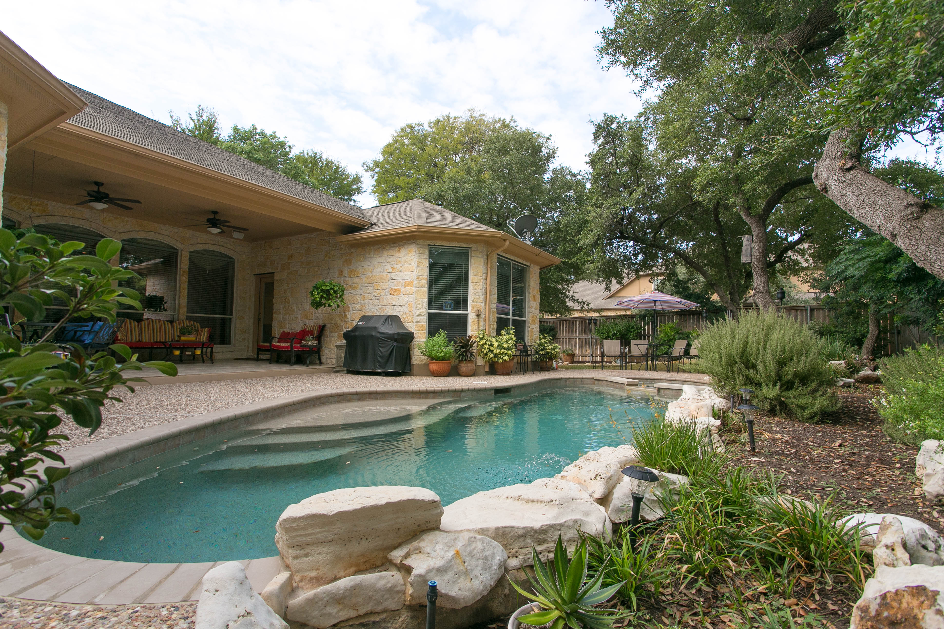 Single Family Home for Sale at Gorgeous One Story Home 270 Abbott Dr Austin, Texas 78737 United States