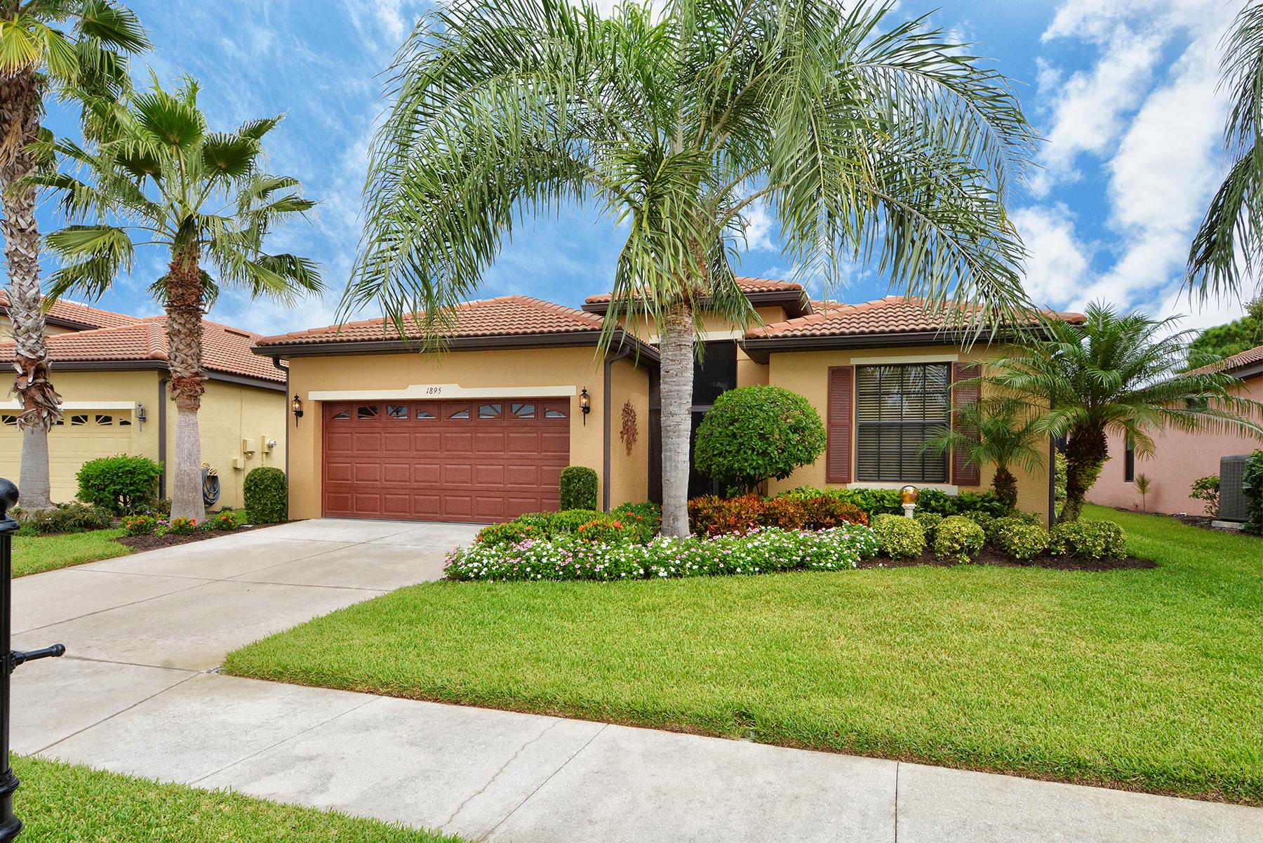独户住宅 为 销售 在 VENETIAN FALLS 1895 Batello Dr 威尼斯, 佛罗里达州, 34292 美国