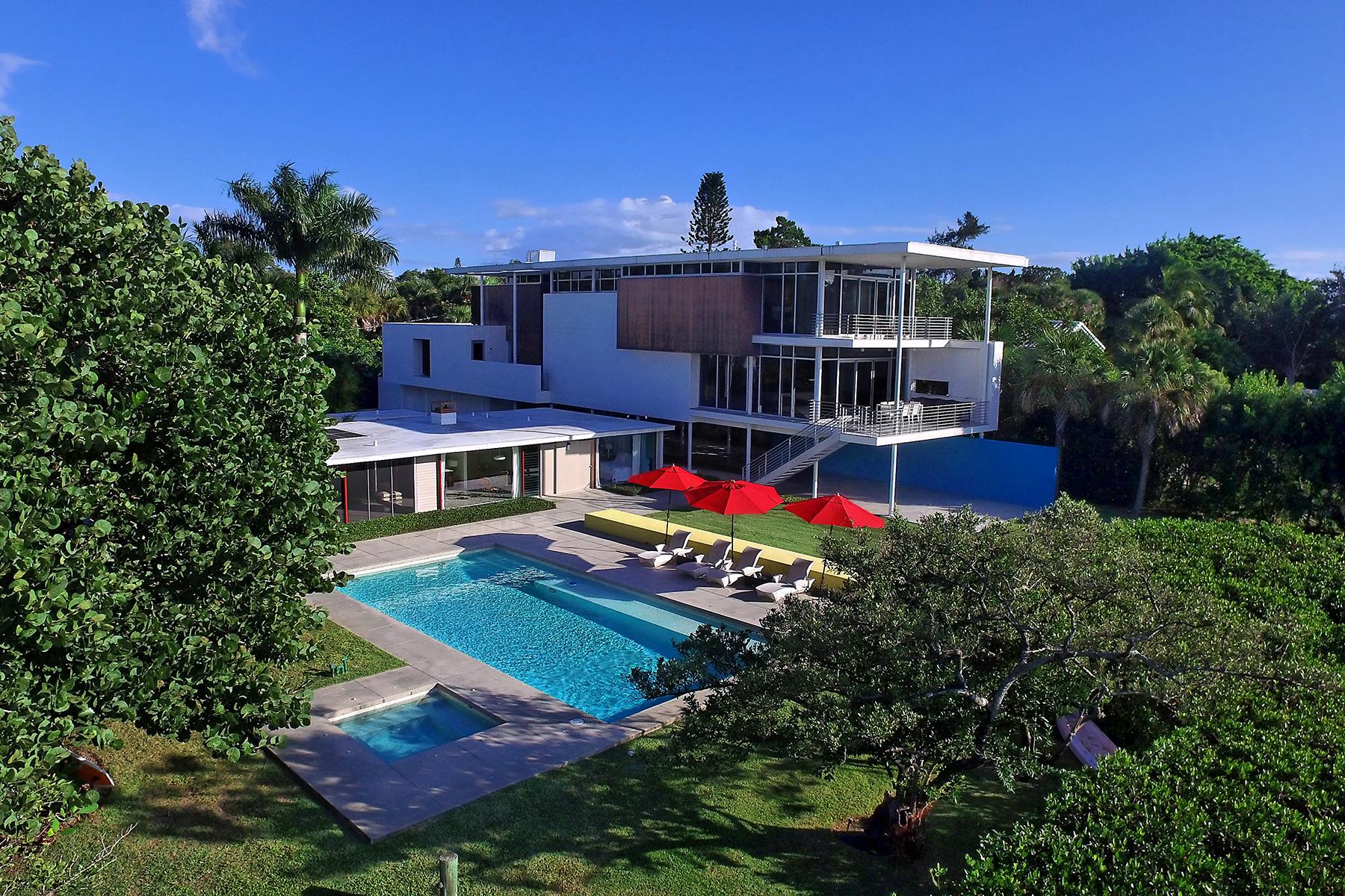 Nhà ở một gia đình vì Bán tại SIESTA KEY 100 Ogden St Sarasota, Florida, 34242 Hoa Kỳ