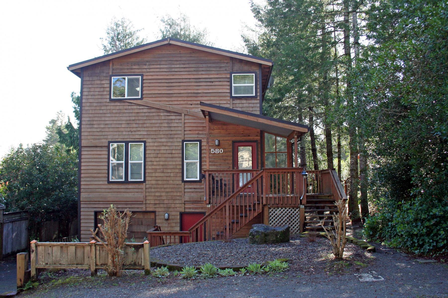 Nhà ở một gia đình vì Bán tại 580 FIR AVE, MANZANITA Manzanita, Oregon, 97130 Hoa Kỳ