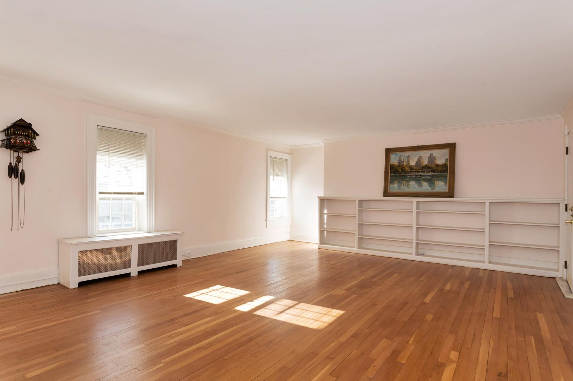 Wohnung für Verkauf beim Co-Op 105 Seventh St 3 6 Garden City, New York, 11530 Vereinigte Staaten