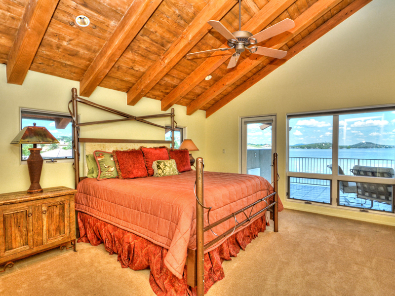 Additional photo for property listing at Majestic Estate on Prestigious Applehead Island 82 Applehead Island Horseshoe Bay, Texas 78657 Estados Unidos