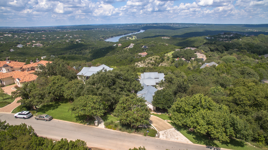 Additional photo for property listing at Life is Truly Unmatched at 14 Cicero Lane 14 Cicero Ln Austin, Texas 78746 Estados Unidos