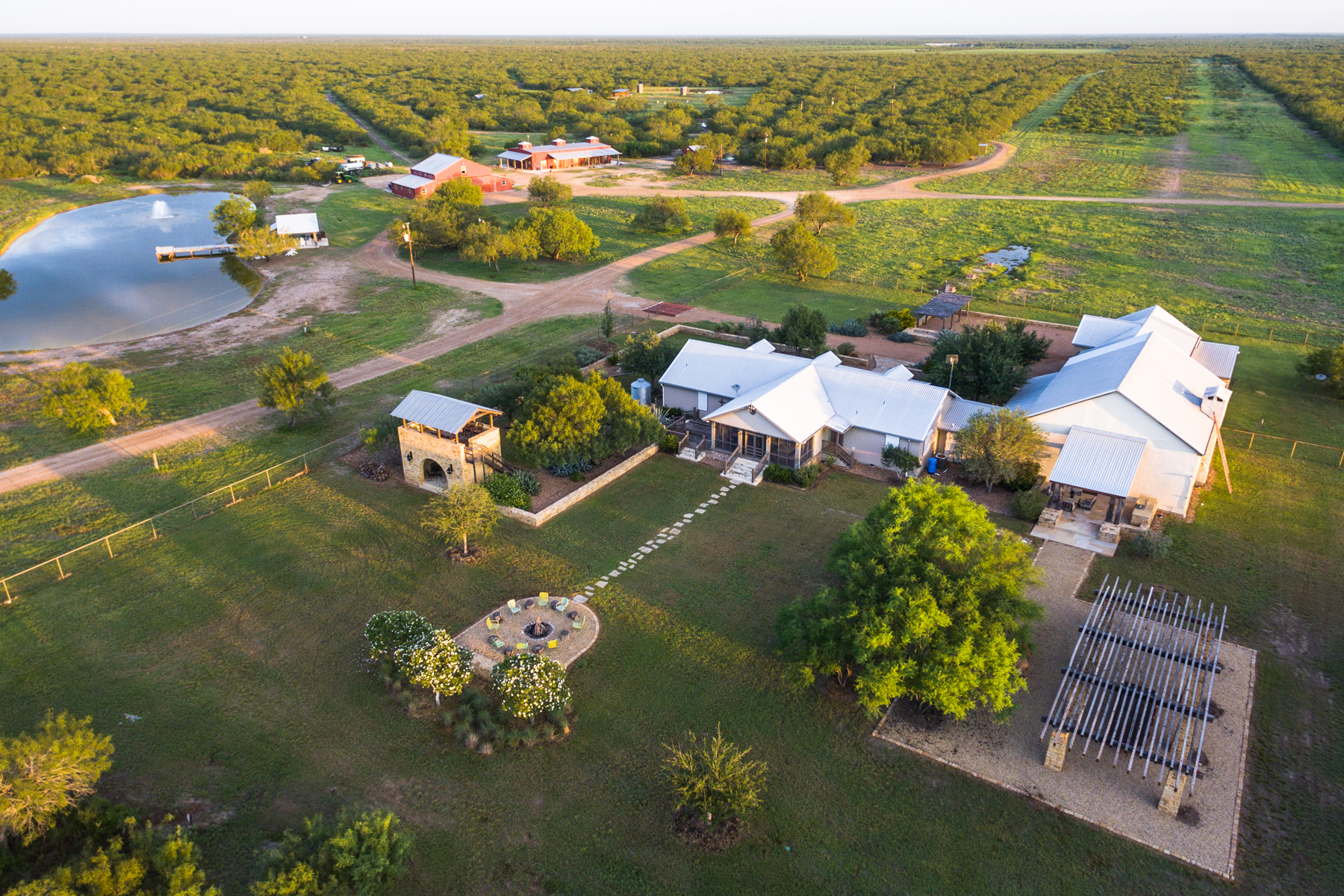 Granjas / Hacienda / Platanción por un Venta en 2,703± Acres Santa Margarita Ranch 2703 Acres La Salle County Cotulla, Texas 78014 Estados Unidos