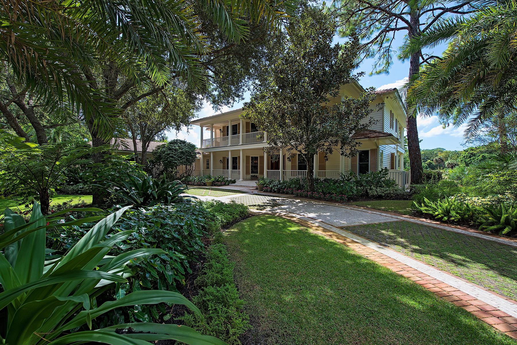 Maison unifamiliale pour l Vente à 2935 Bellflower Ln , Naples, FL 34105 2935 Bellflower Ln Grey Oaks, Naples, Florida, 34105 États-Unis