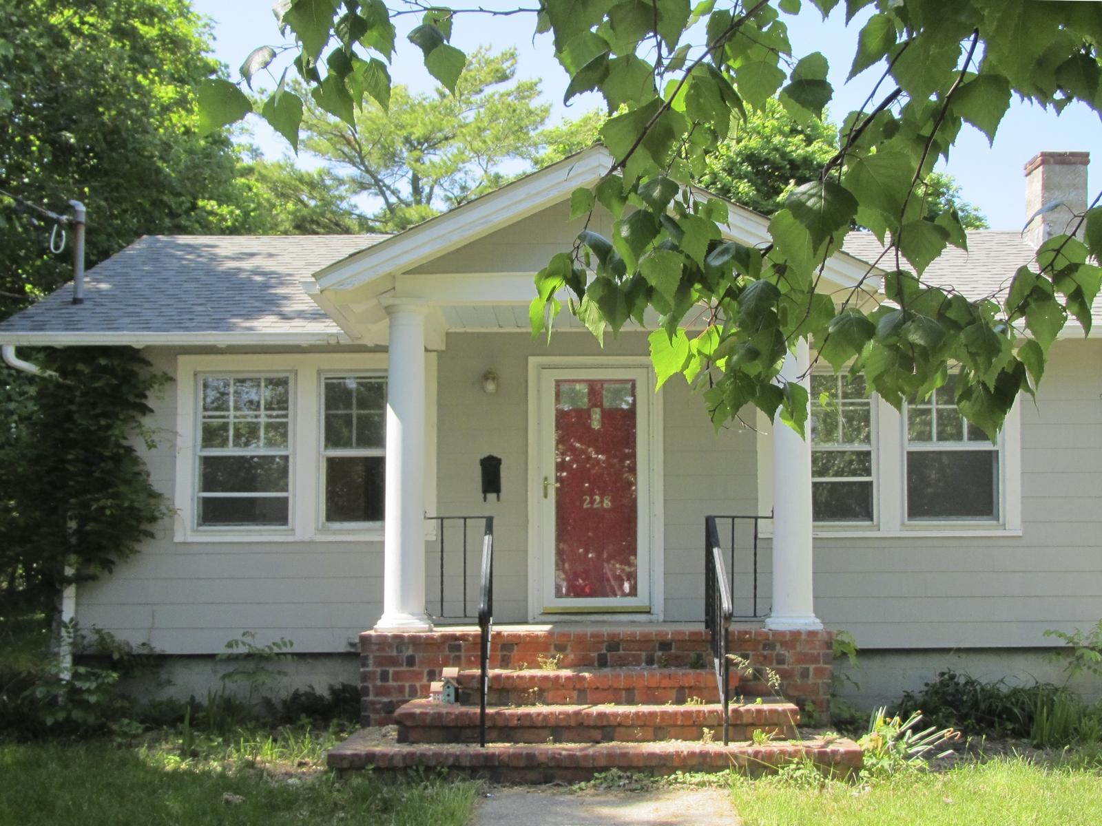 단독 가정 주택 용 매매 에 Bungalow 455 Knapp Pl Greenport, 뉴욕 11944 미국
