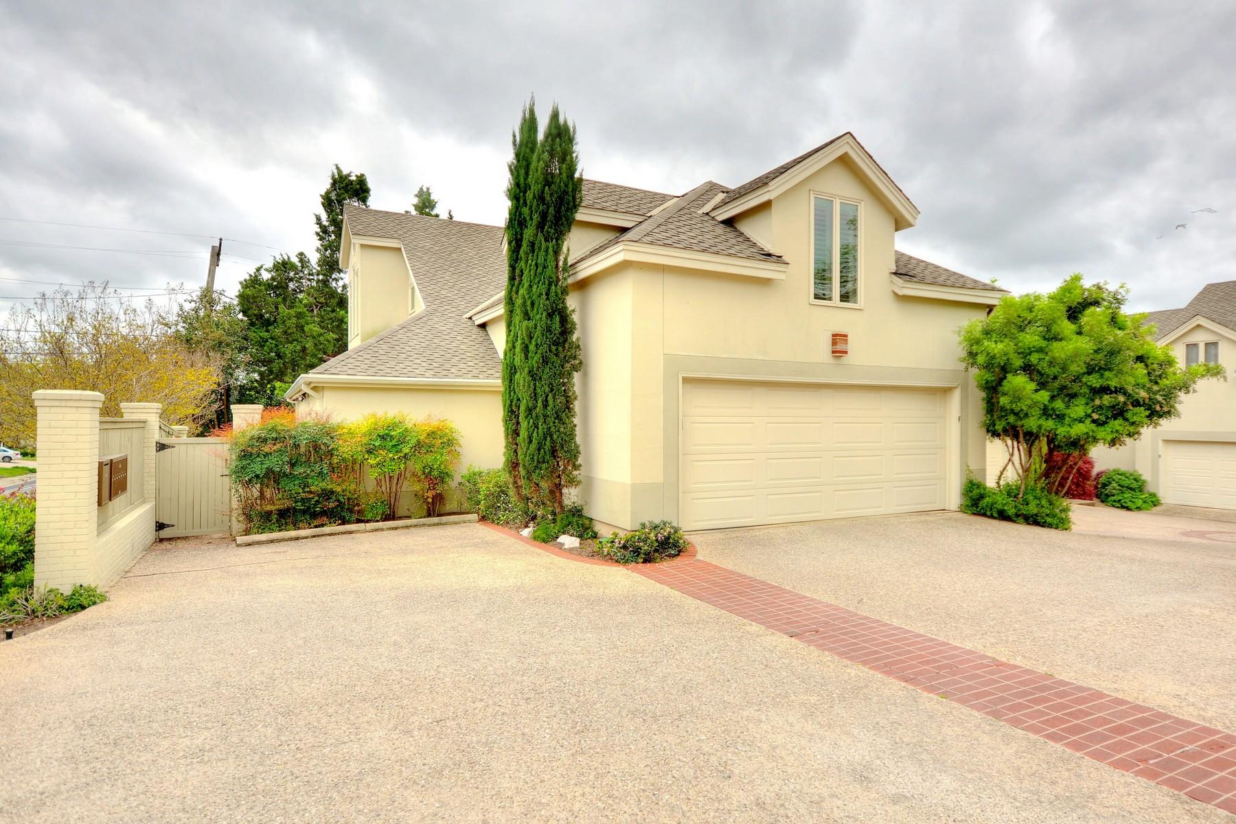 Nhà chung cư vì Bán tại Beautiful Condo in the Heart of Tarrytown 3111 Windsor Rd 106 Austin, Texas, 78703 Hoa Kỳ