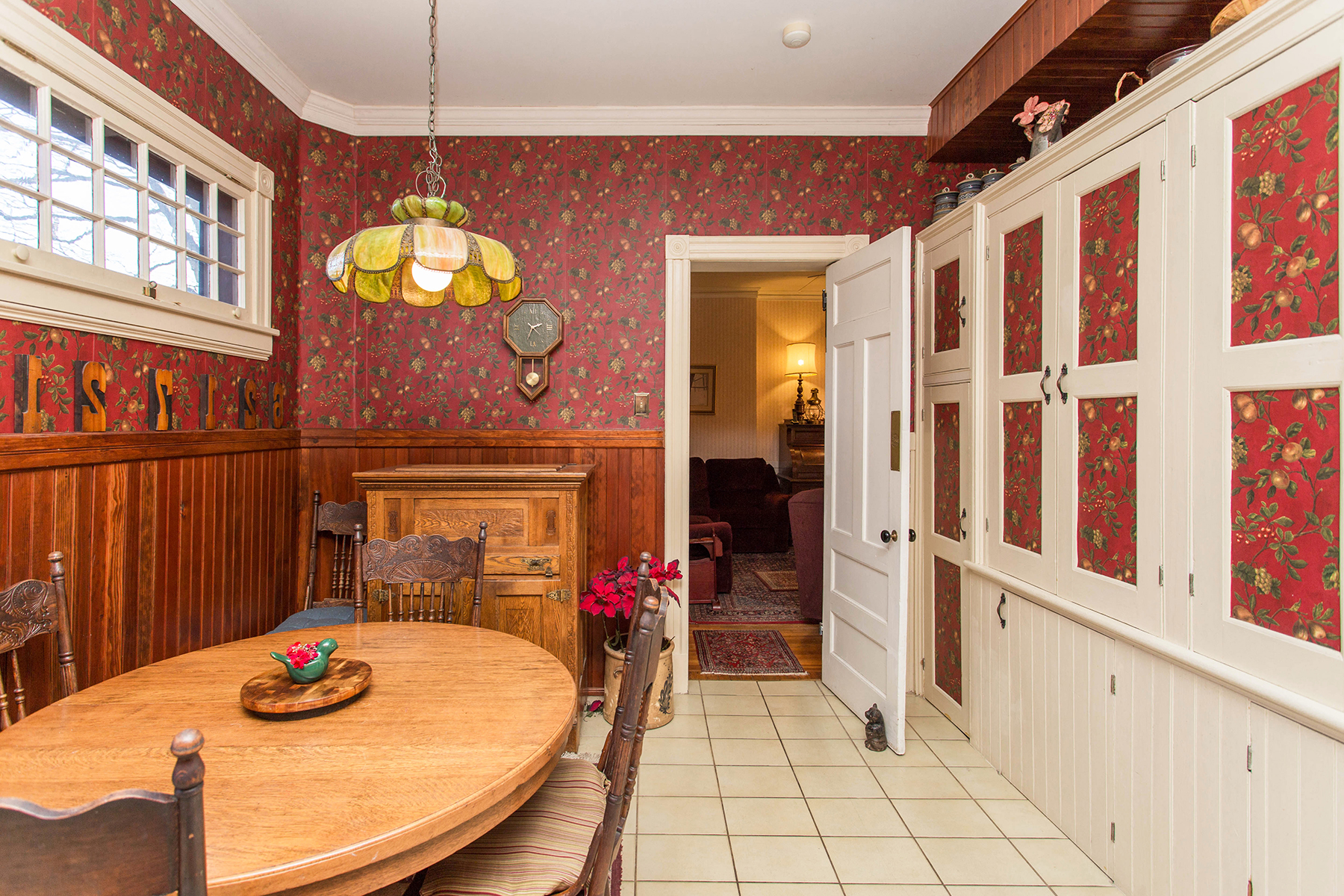 Additional photo for property listing at Exquisite Saratoga Trackside Victorian 203  Union Av Saratoga Springs, New York 12866 États-Unis