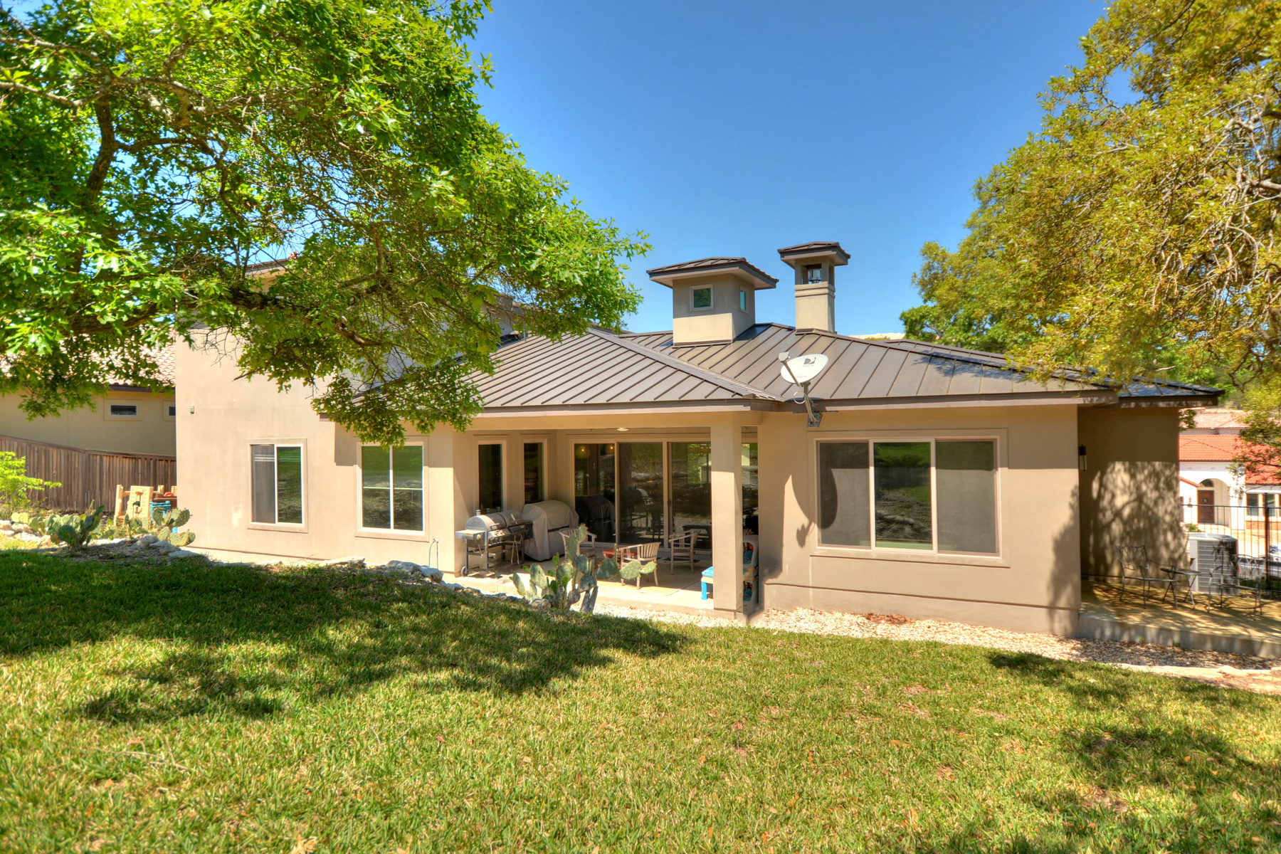 Additional photo for property listing at Stunning and Contemporary Home in Cresta Bella 7010 Cresta Bulivar San Antonio, Texas 78256 United States