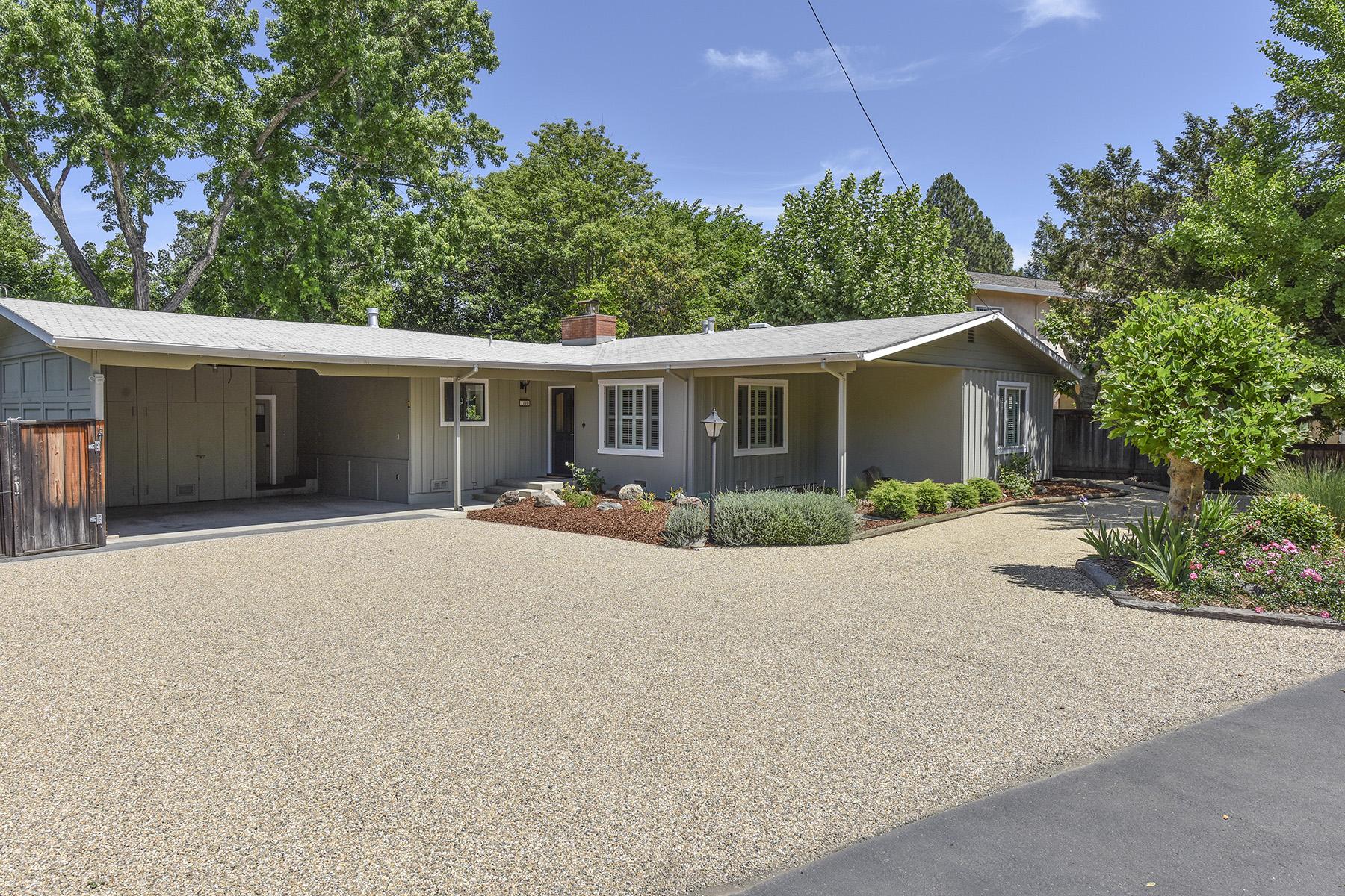 Casa Unifamiliar por un Venta en 1110 N Crane Ave, St. Helena, CA 94574 St. Helena, California, 94574 Estados Unidos