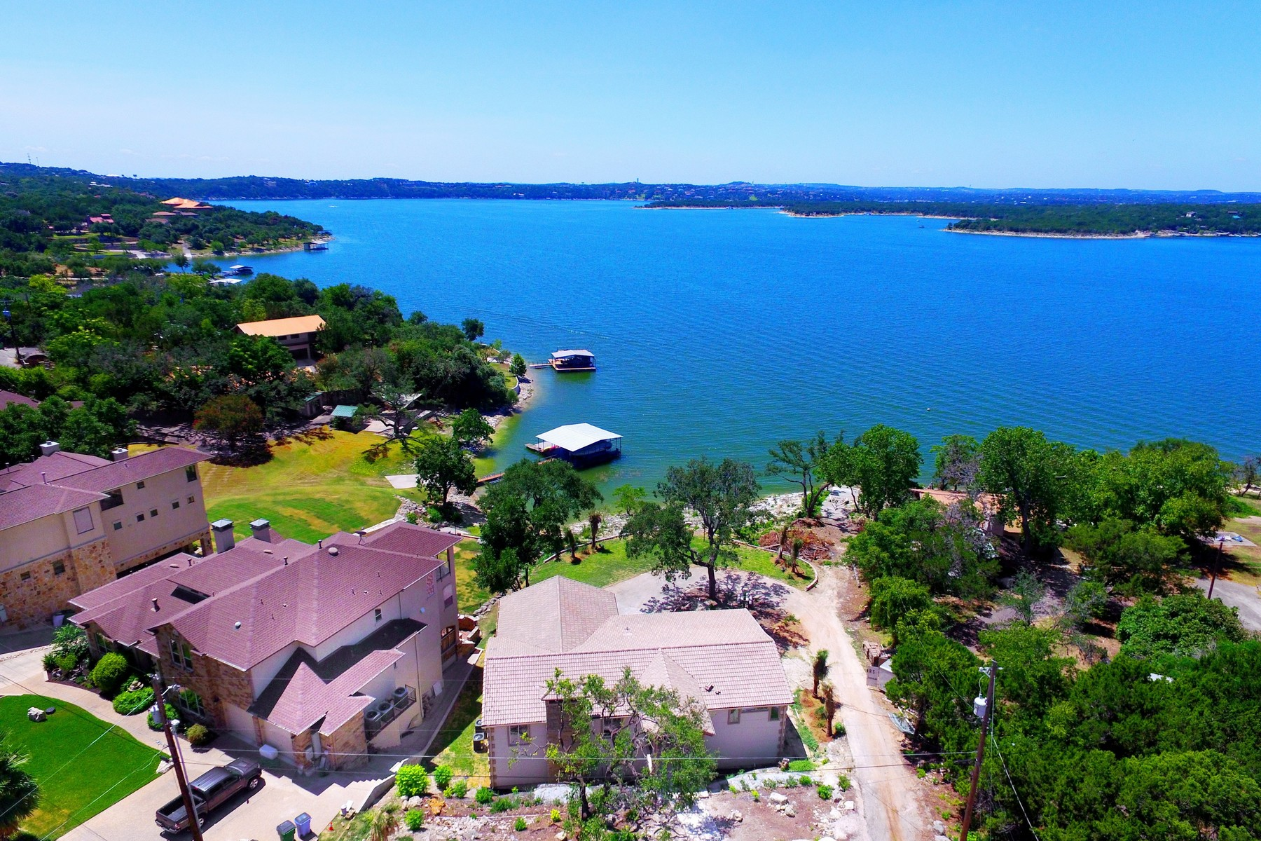 Additional photo for property listing at Stunning Home with a Fabulous Lake View 16907 S Ridge Ln Austin, Texas 78734 Estados Unidos