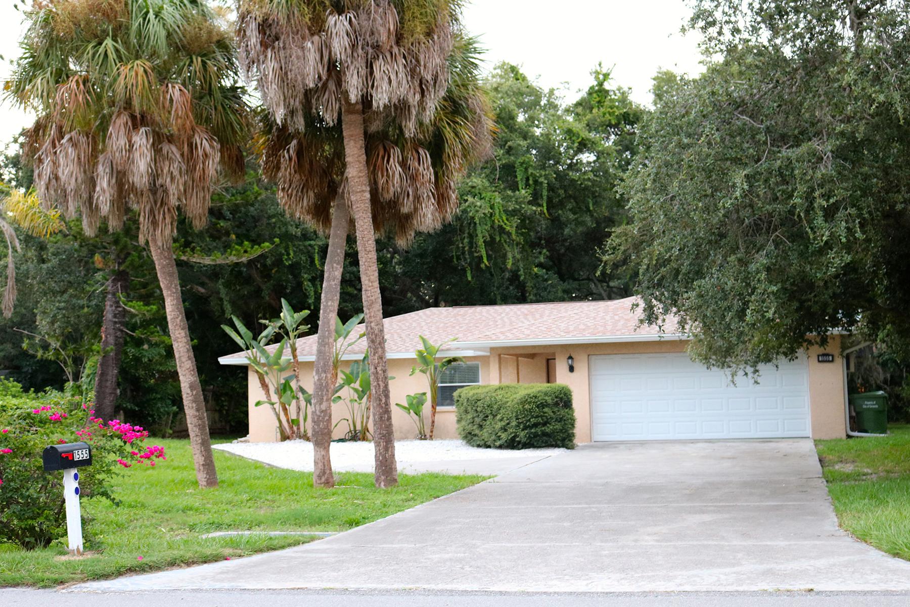 단독 가정 주택 용 매매 에 SUNSET BAY 1555 Siesta Dr Sarasota, 플로리다 34239 미국