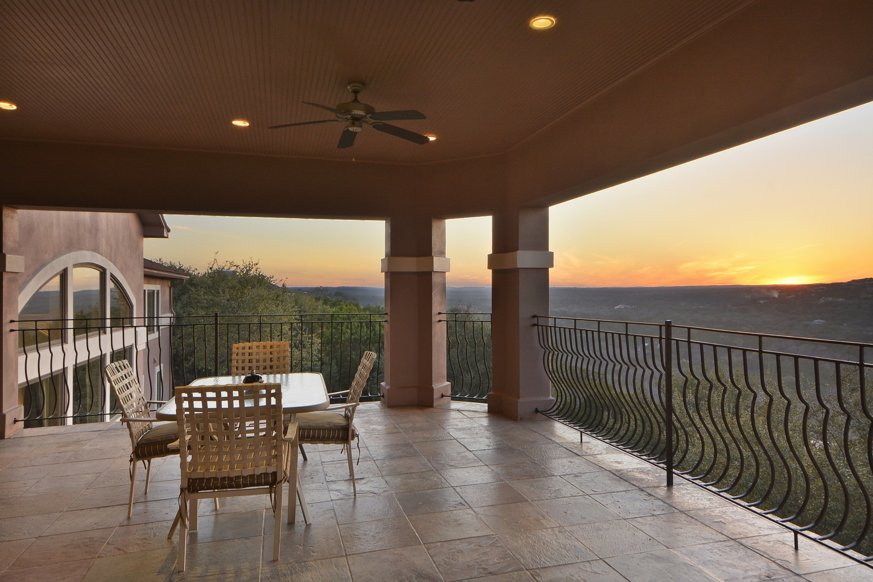 Additional photo for property listing at Stunning Transitional Home on 5+- Acres 10901 W Highway 71 Austin, Texas 78735 Estados Unidos