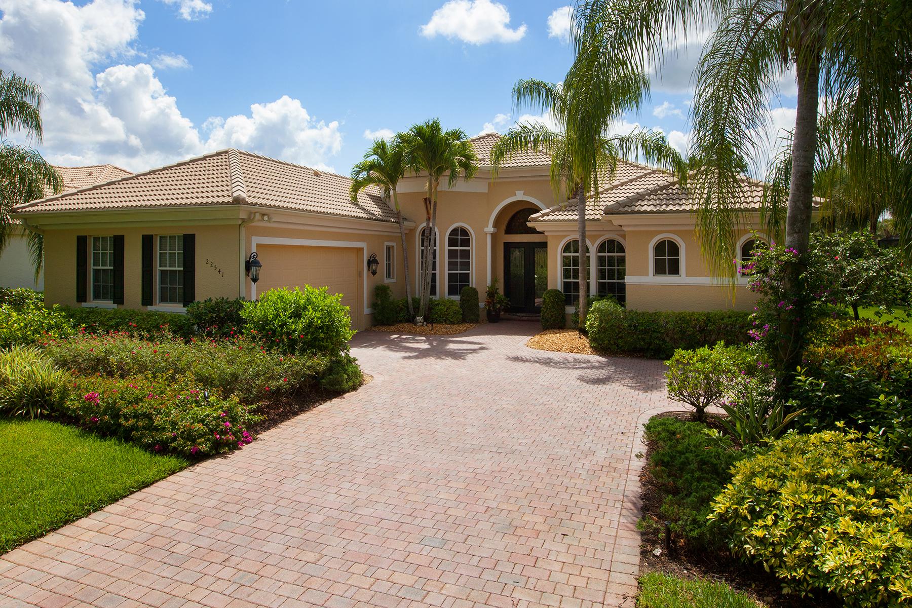 Casa para uma família para Venda às THE BROOKS - SHADOW WOOD - GLENVIEW 22541 Glenview Ln Bonita Springs, Florida, 34135 Estados Unidos