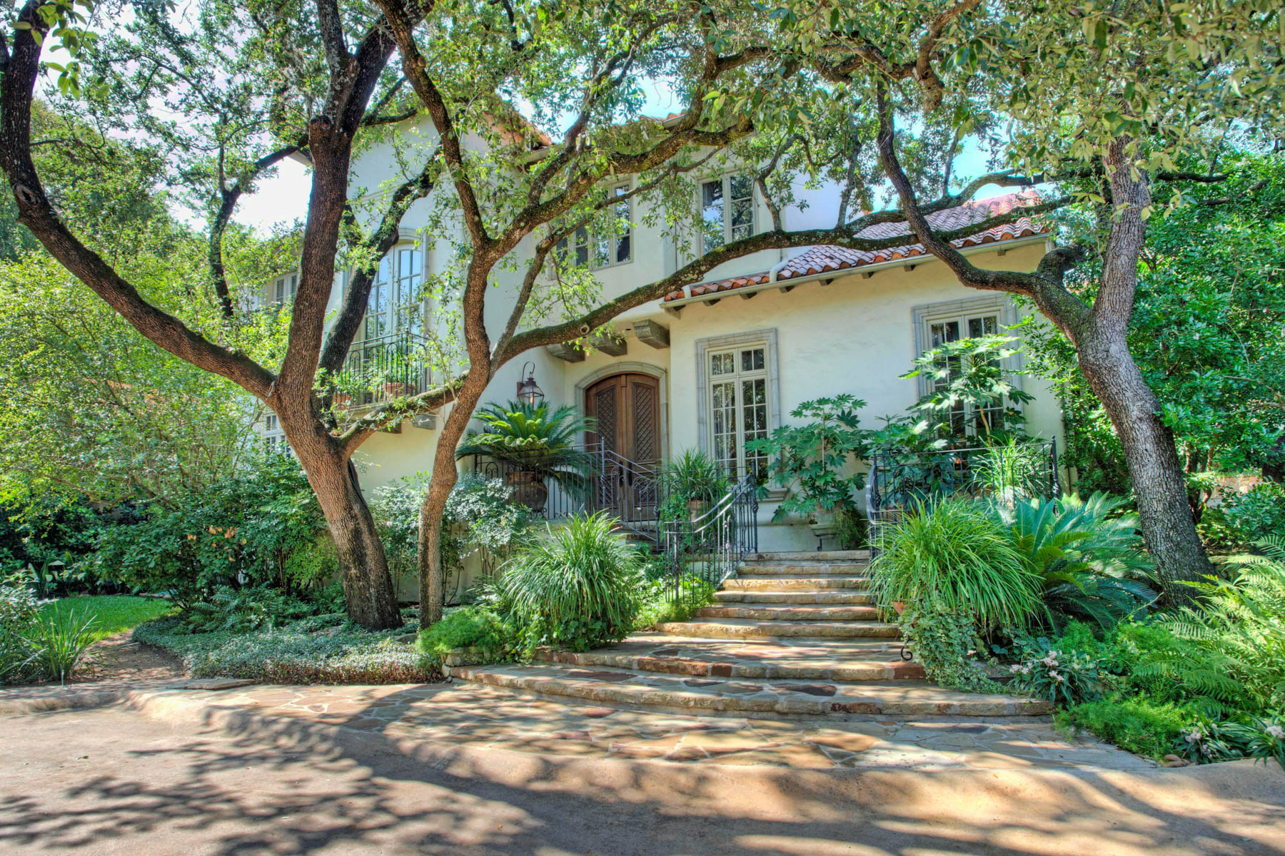 Single Family Home for Sale at Magnificent Estate in Olmos Park 829 Contour Dr San Antonio, Texas 78212 United States