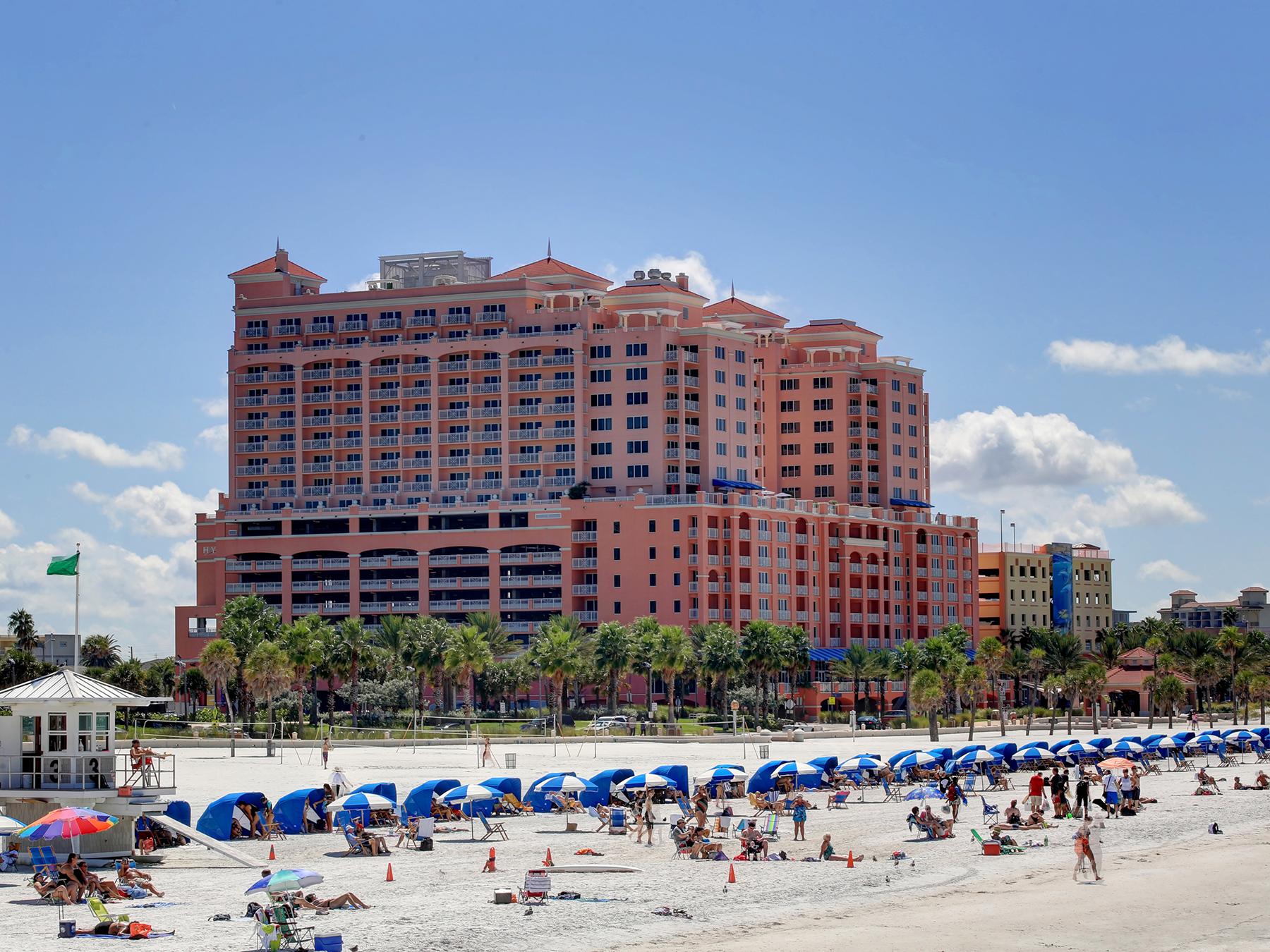 Kat Mülkiyeti için Satış at CLEARWATER BEACH 301 S Gulfview Blvd 301 Clearwater Beach, Florida 33767 Amerika Birleşik Devletleri