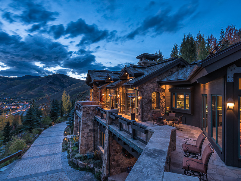 Casa Unifamiliar por un Venta en Direct Views of Vail Mountain 971 Spraddle Creek Rd Vail, Colorado, 81657 Estados Unidos