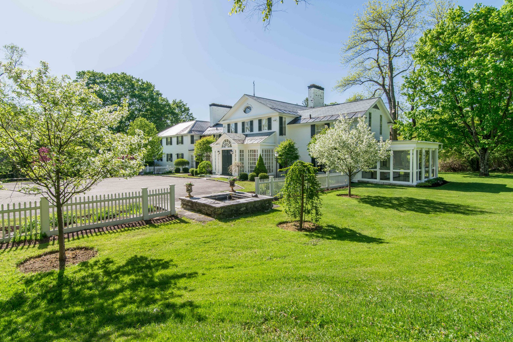Nhà ở một gia đình vì Bán tại Manchester Village Country Estate 445 West Rd Manchester, Vermont 05254 Hoa Kỳ