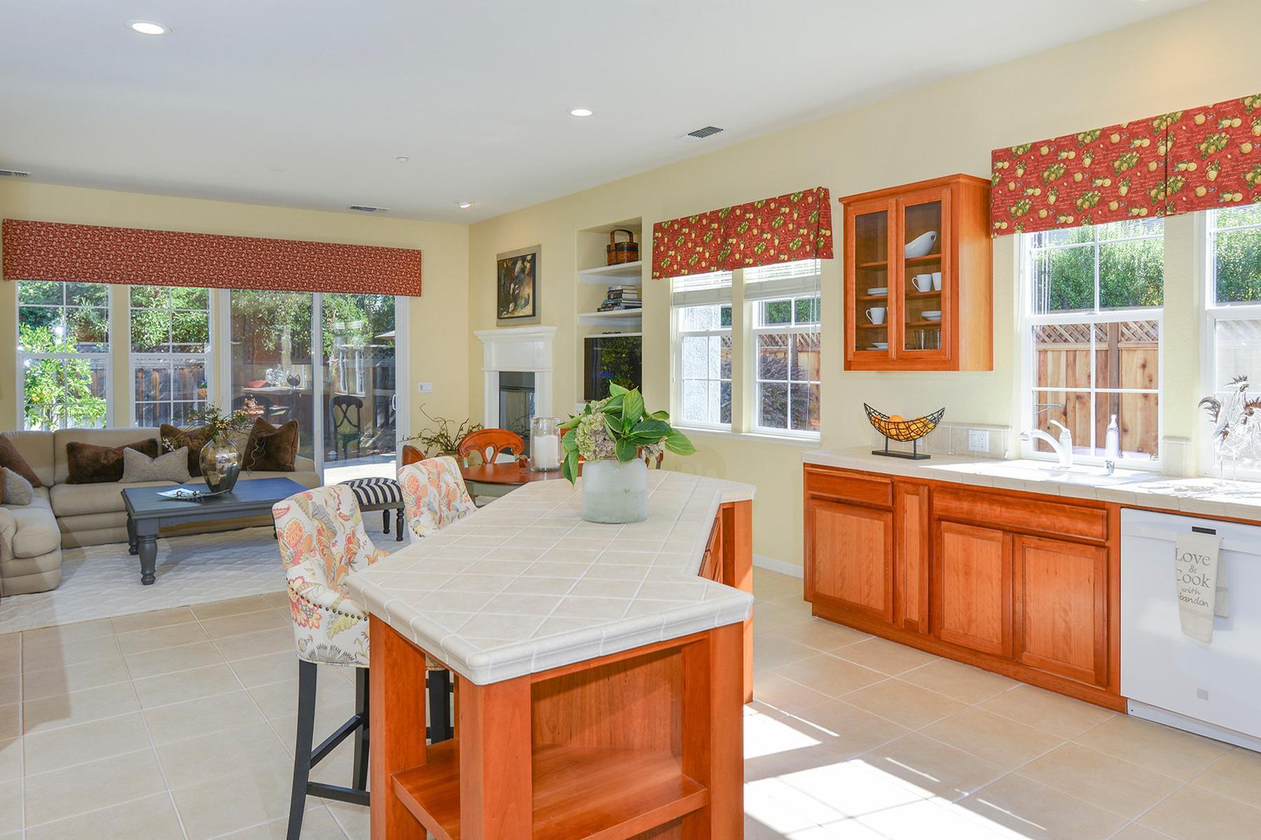 Single Family Home for Sale at 146 Old Vine Way, Napa, CA 94558 146 Old Vine Way Napa, California 94558 United States