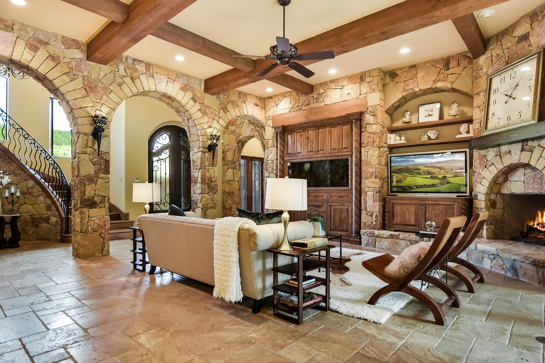 Additional photo for property listing at Grand Lake Austin Estate 7908 Big View Dr Austin, Texas 78730 Estados Unidos