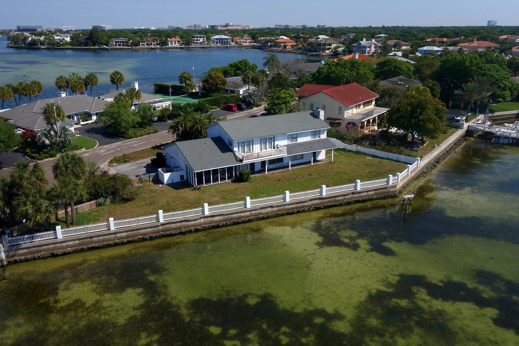 Maison unifamiliale pour l Vente à SOUTH TAMPA 5030 W San Miguel St Tampa, Florida 33629 États-Unis