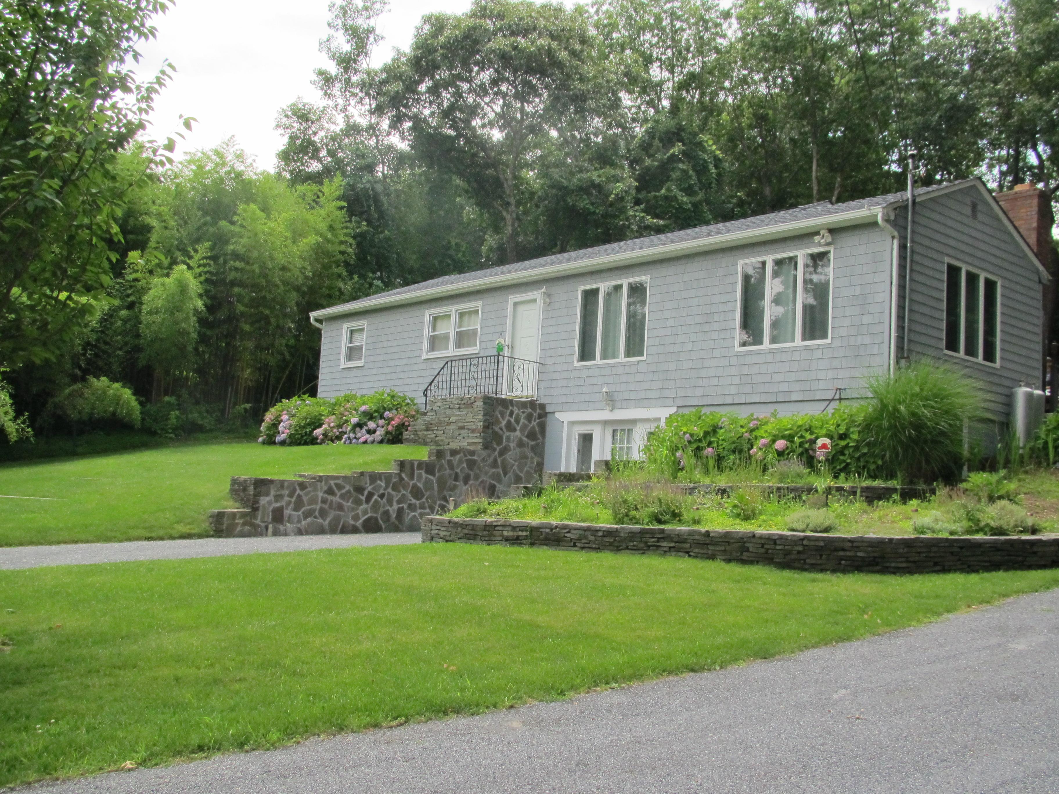 Частный односемейный дом для того Продажа на Hi Ranch 35 Stony Hill Rd Sag Harbor, Нью-Йорк 11963 Соединенные Штаты