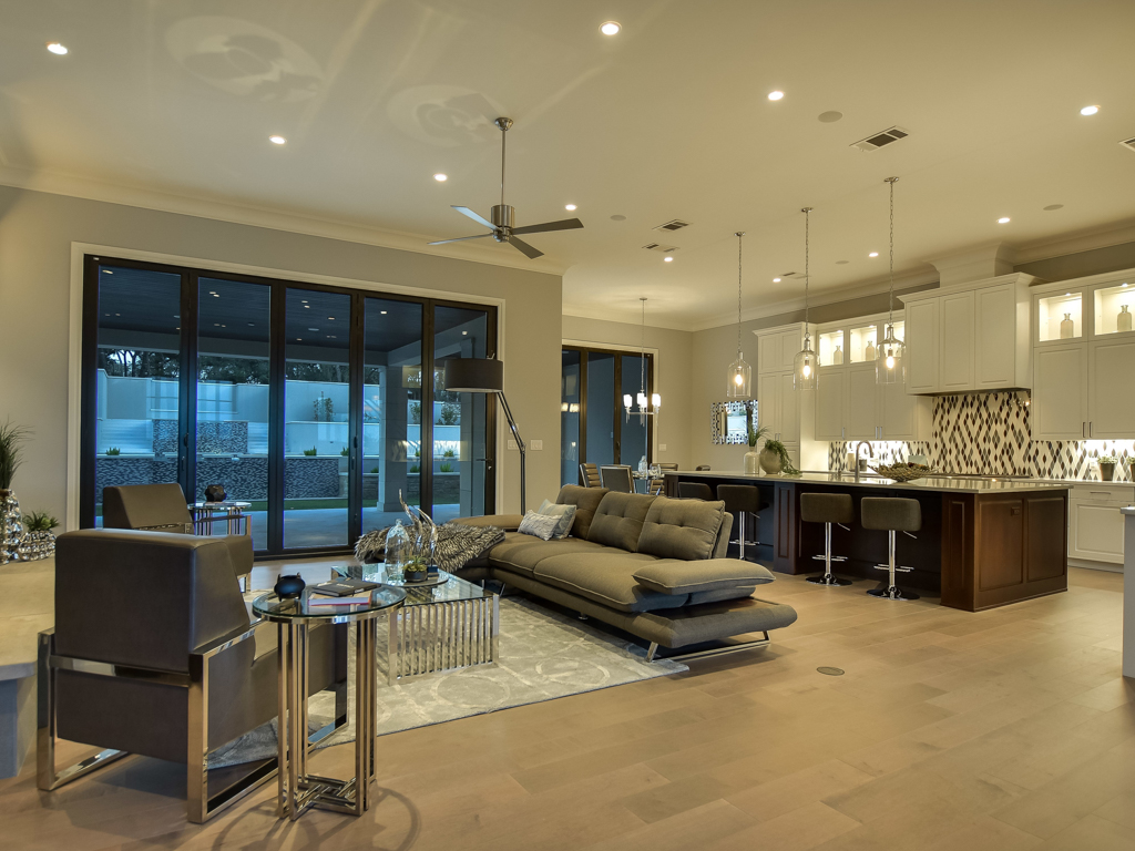 Additional photo for property listing at Transitional Elegance 12308 Emory Oak Ln Austin, Texas 78738 Estados Unidos