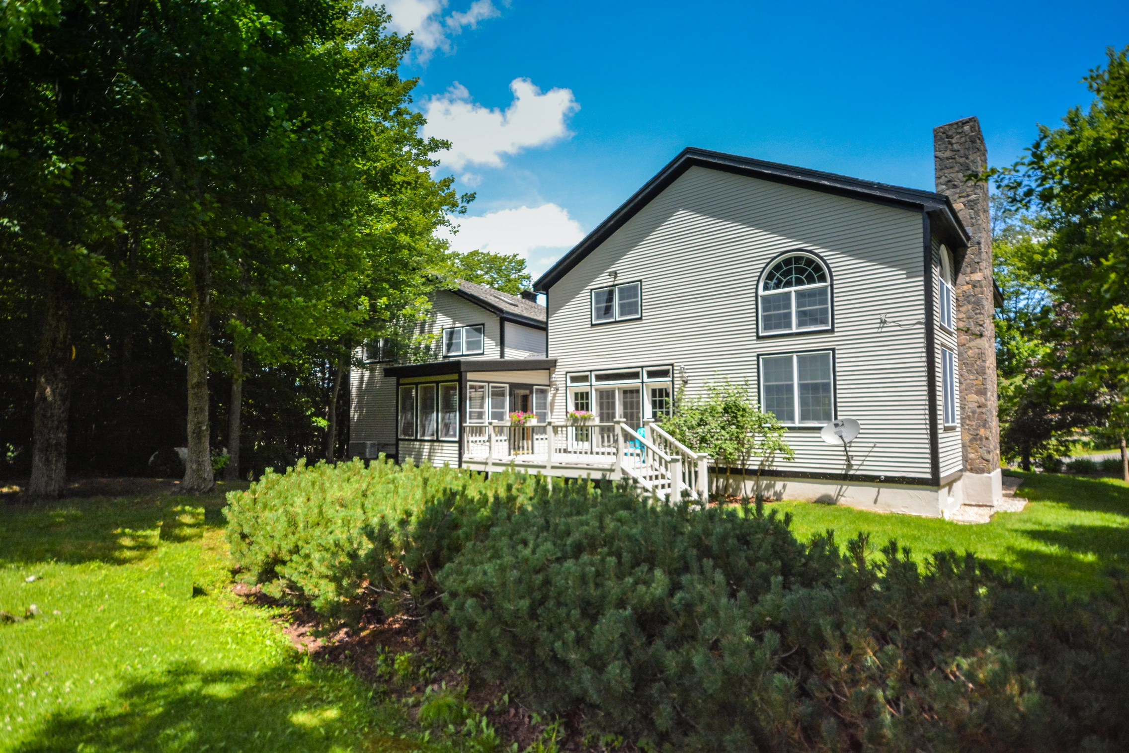 Single Family Home for Sale at Golf Course Property 38 Spring Hill Rd Dover, Vermont, 05356 United States