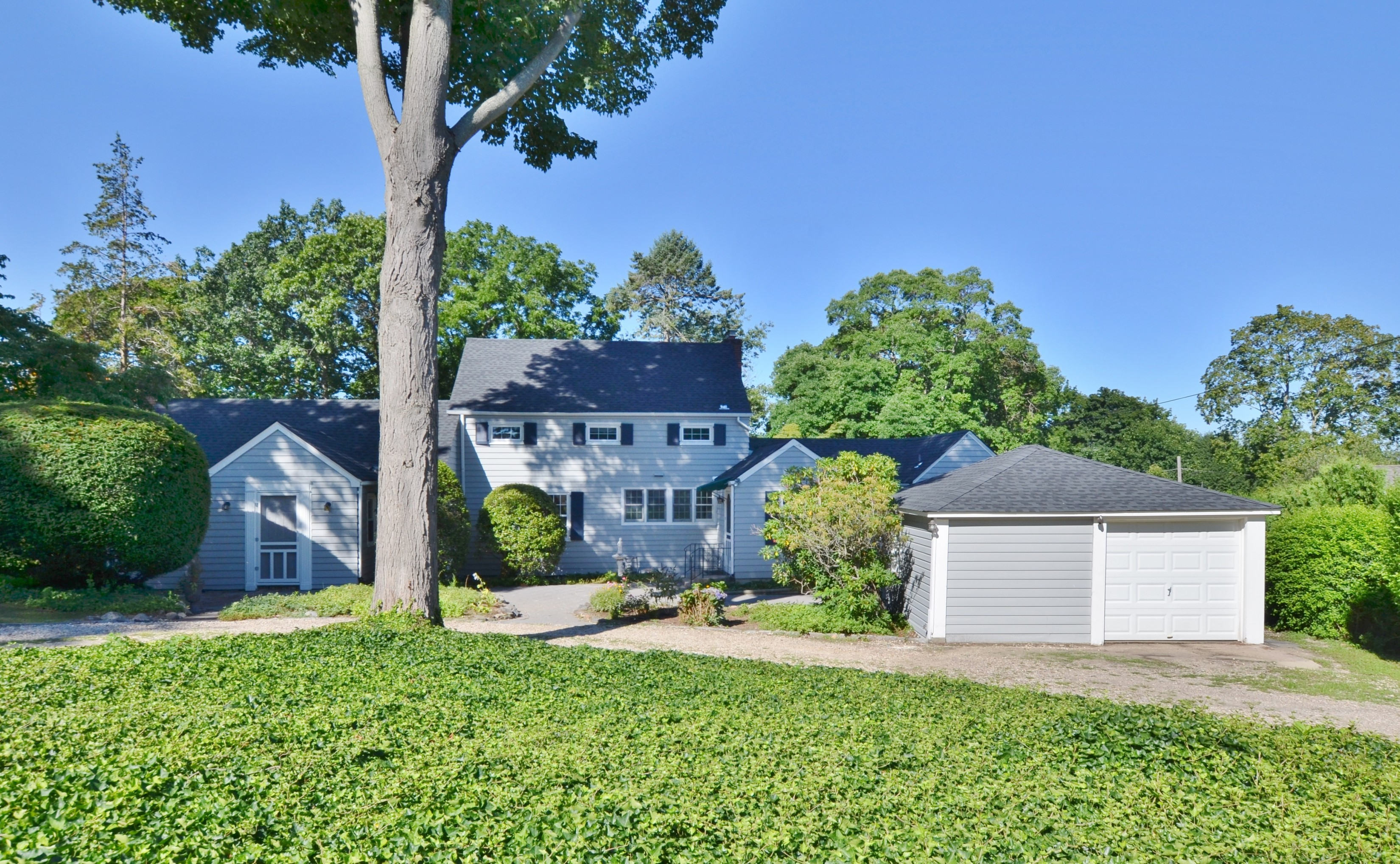 Single Family Home for Sale at Colonial 20 Soundview Dr Huntington, New York, 11743 United States